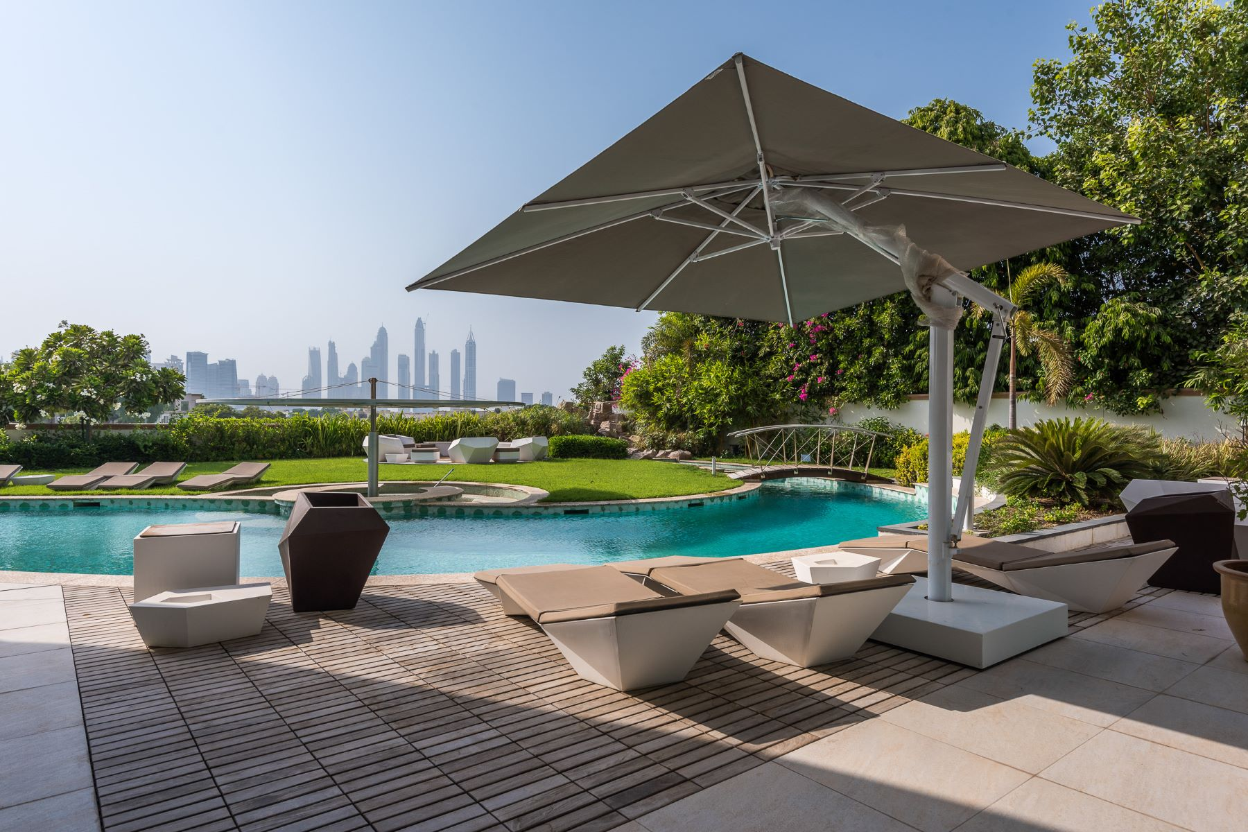 Other Residential Homes per Vendita alle ore Emirates Hills - Market Committed Seller Dubai, Dubai Emirati Arabi Uniti