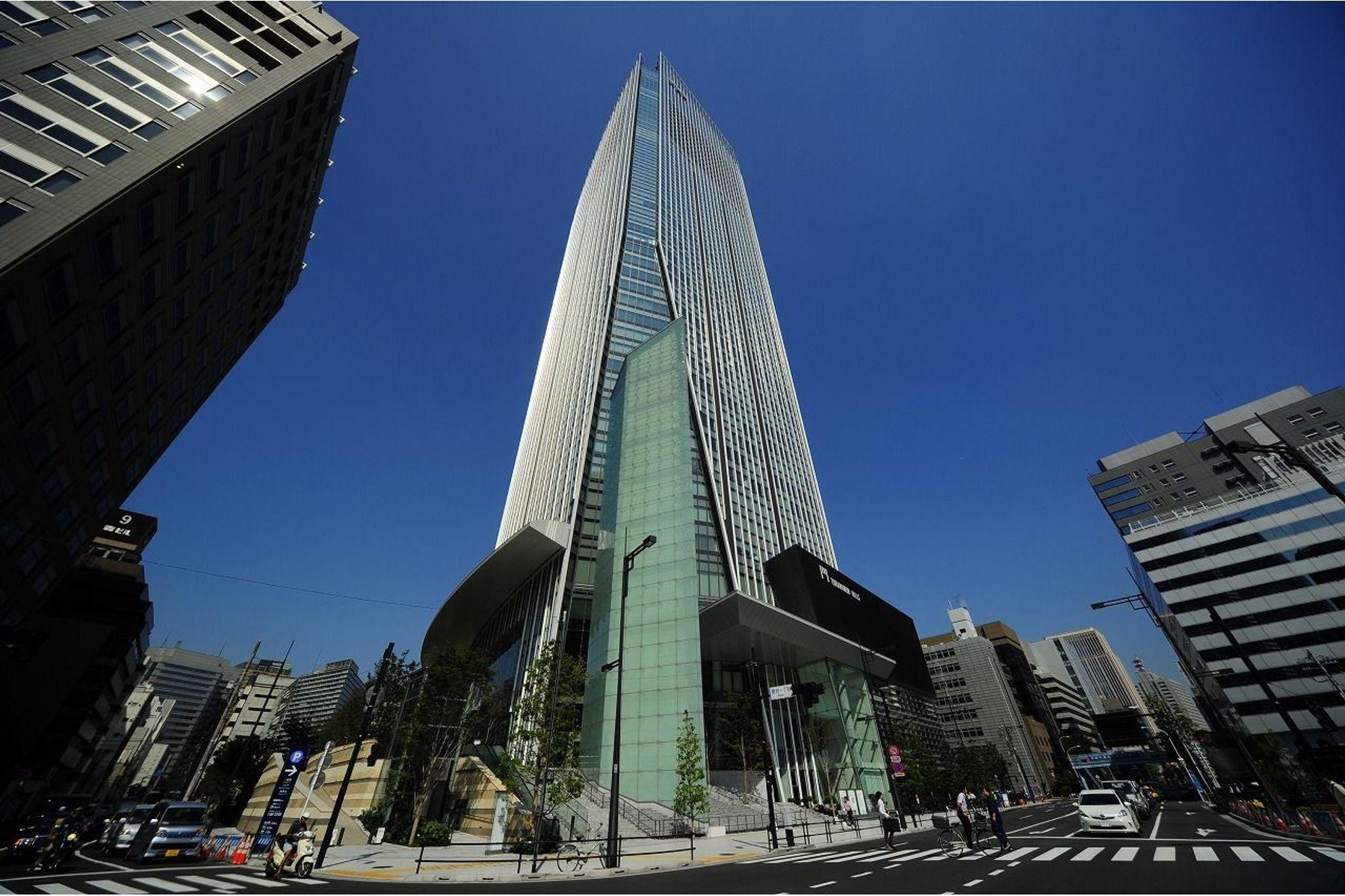 Condominiums for Sale at TORANOMON HILLS RESIDENCE Minato-Ku, Tokyo Japan