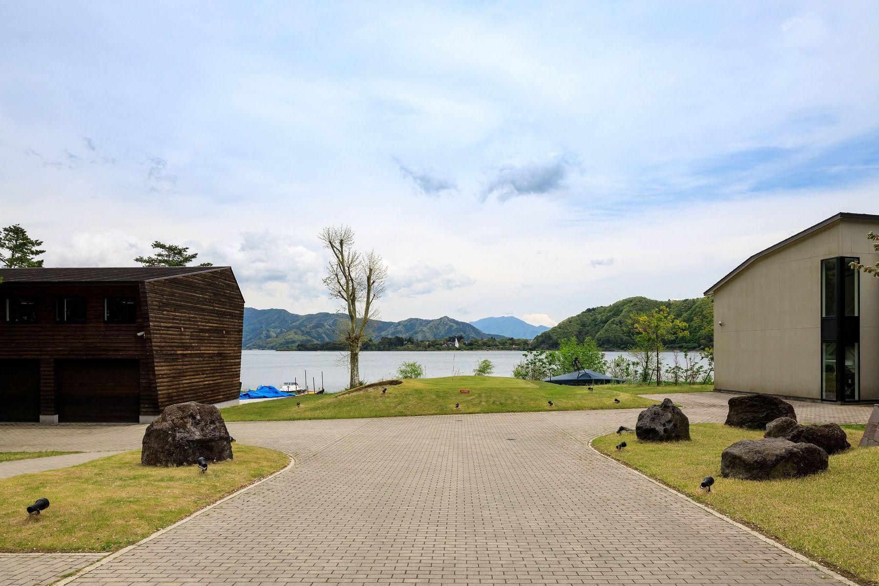 Single Family Homes para Venda às KAWAGUCHI-KO LAKE FRONT 0000, Nagahama Minamitsuru-Gun, Yamanashi 401-0331 Japão