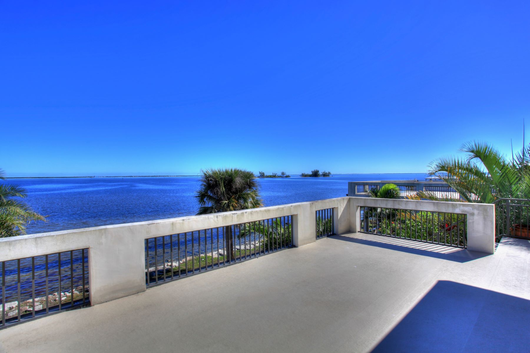 Additional photo for property listing at 13690 N Indian River Drive Sebastian, Floride 32958 États-Unis