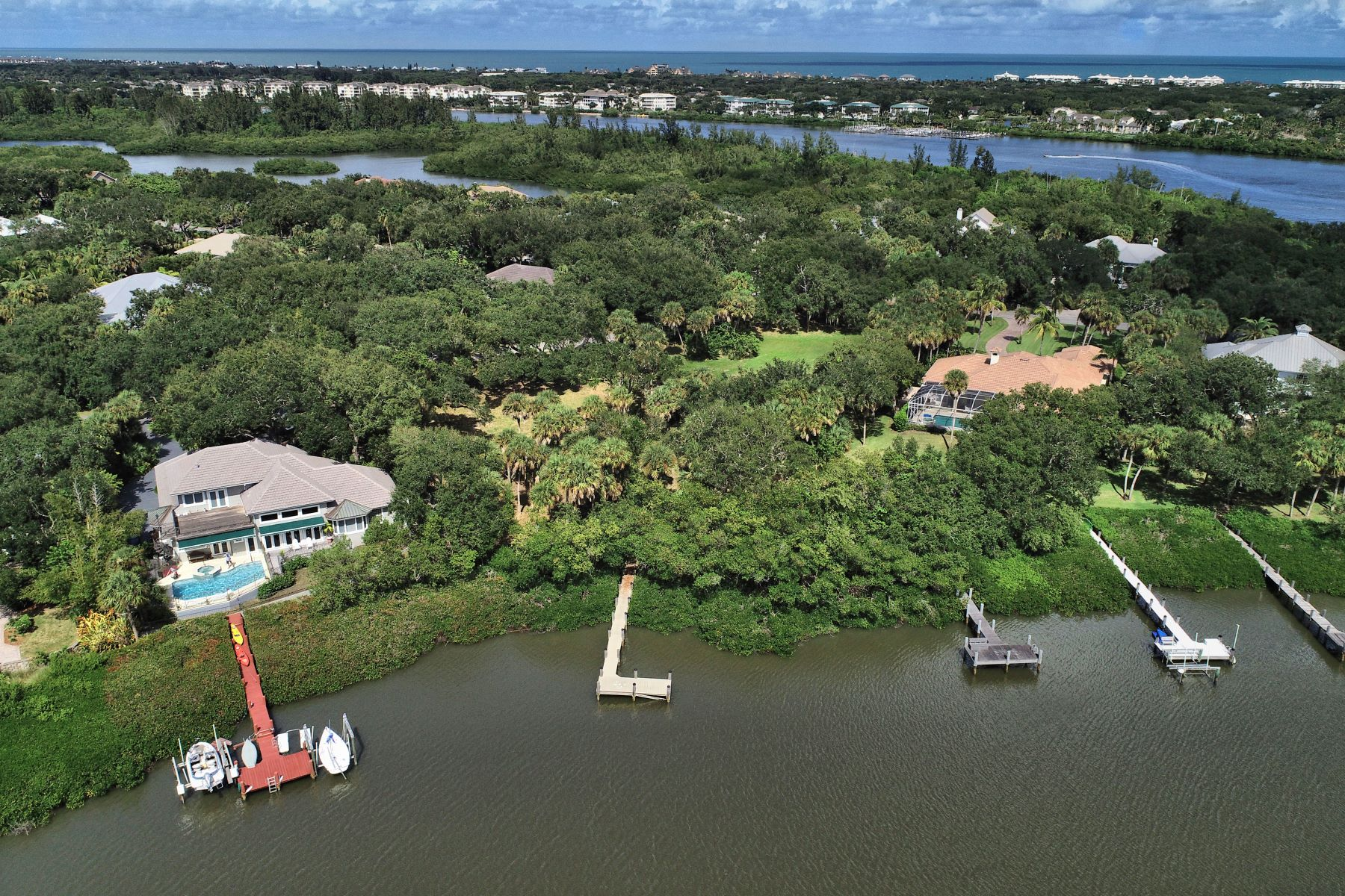 Direct Riverfront With Dock 2545 Riverview Court Vero Beach, Florida 32963 Stati Uniti