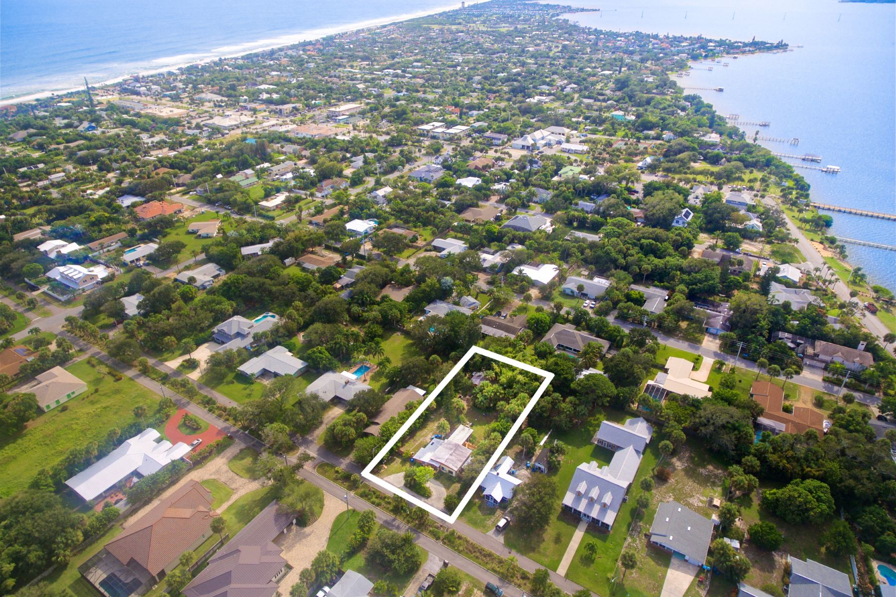 Additional photo for property listing at Nearly Half an Acre of Property! 523 Sunset Boulevard Melbourne Beach, Florida 32951 United States