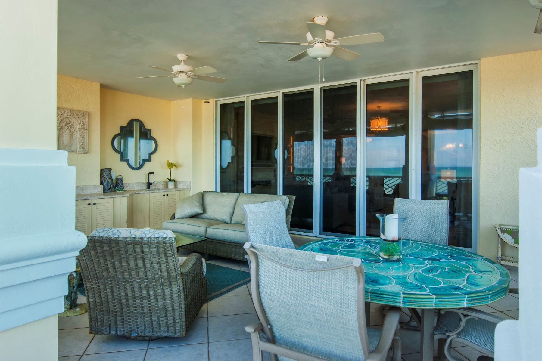 Additional photo for property listing at 600 Beachview Drive 2N Indian River Shores, Florida 32963 United States
