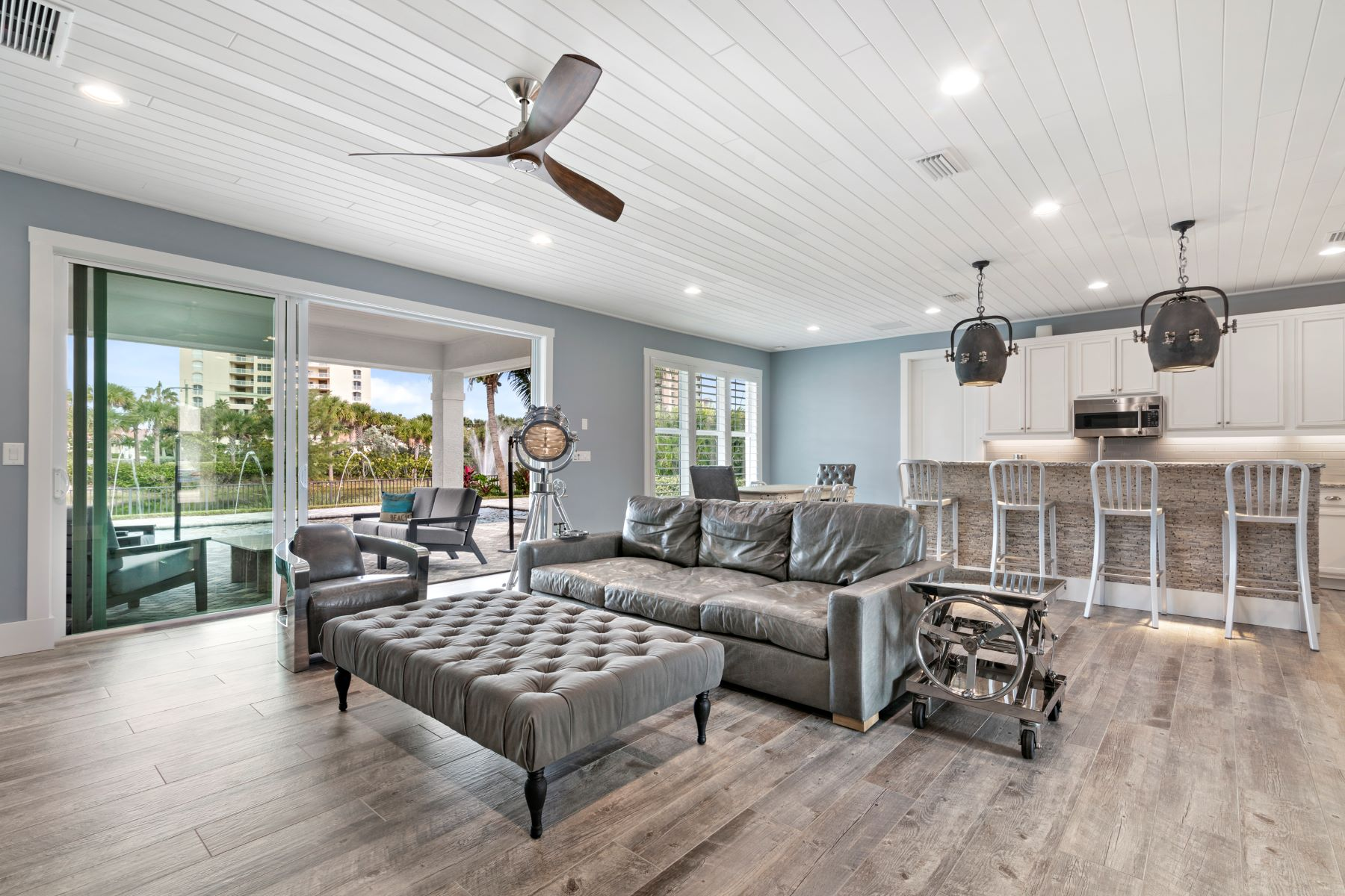 Single Family Homes for Active at Luxurious Lakefront Home 3918 Duneside Drive Hutchinson Island, Florida 34949 United States