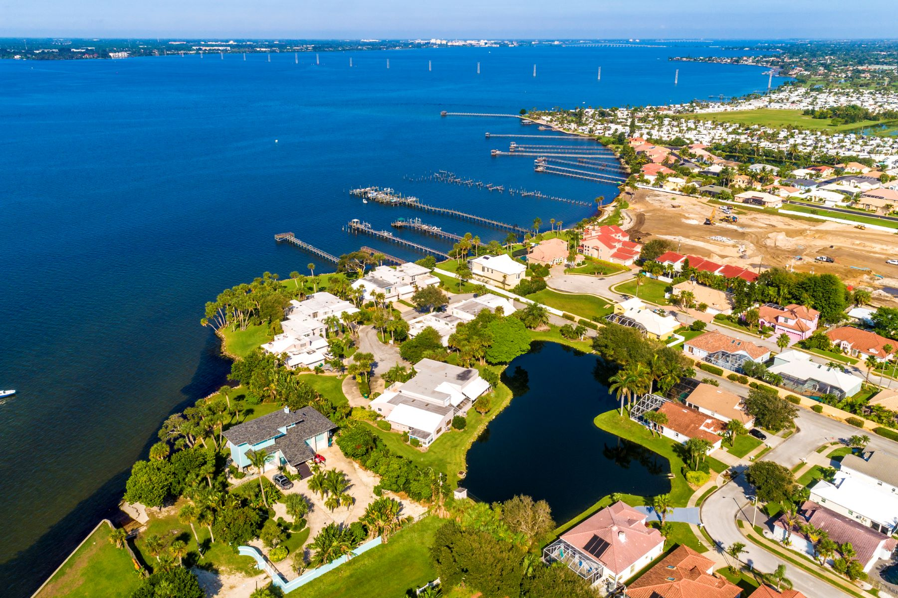 Additional photo for property listing at Spacious Town home in Majorca 404 La Costa Street Melbourne Beach, Florida 32951 United States