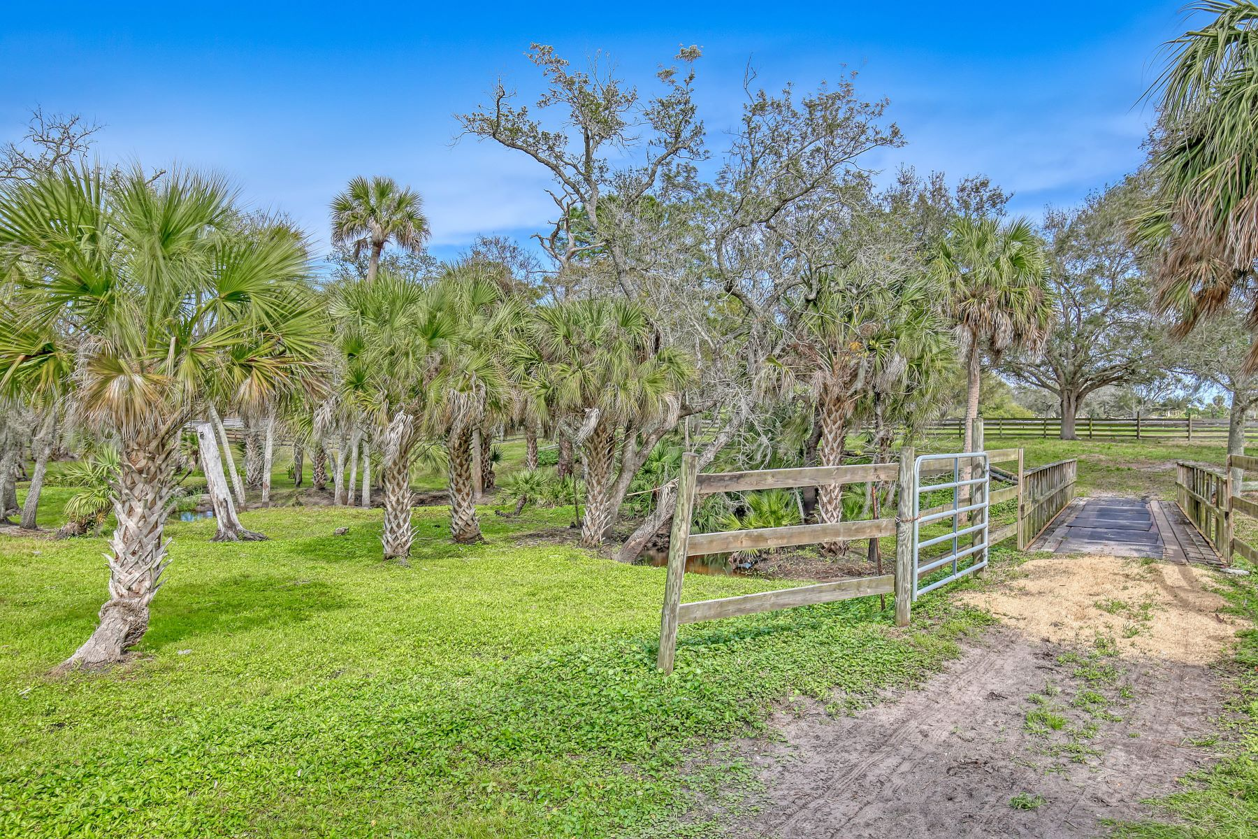 Additional photo for property listing at 4410 Fifth Street Grant Valkaria, Florida 32949 United States
