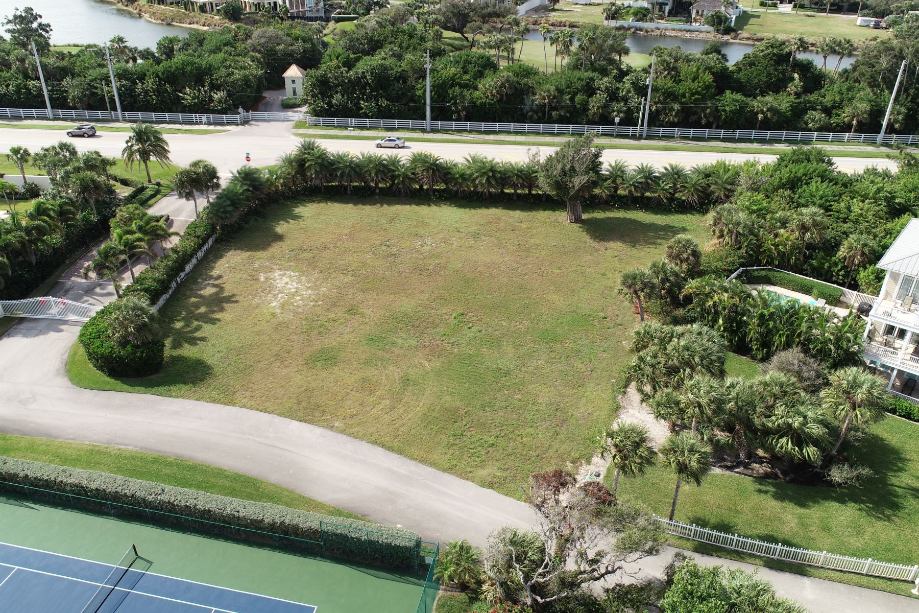 Additional photo for property listing at 2335 Sanderling Lane Vero Beach, Florida 32963 Vereinigte Staaten