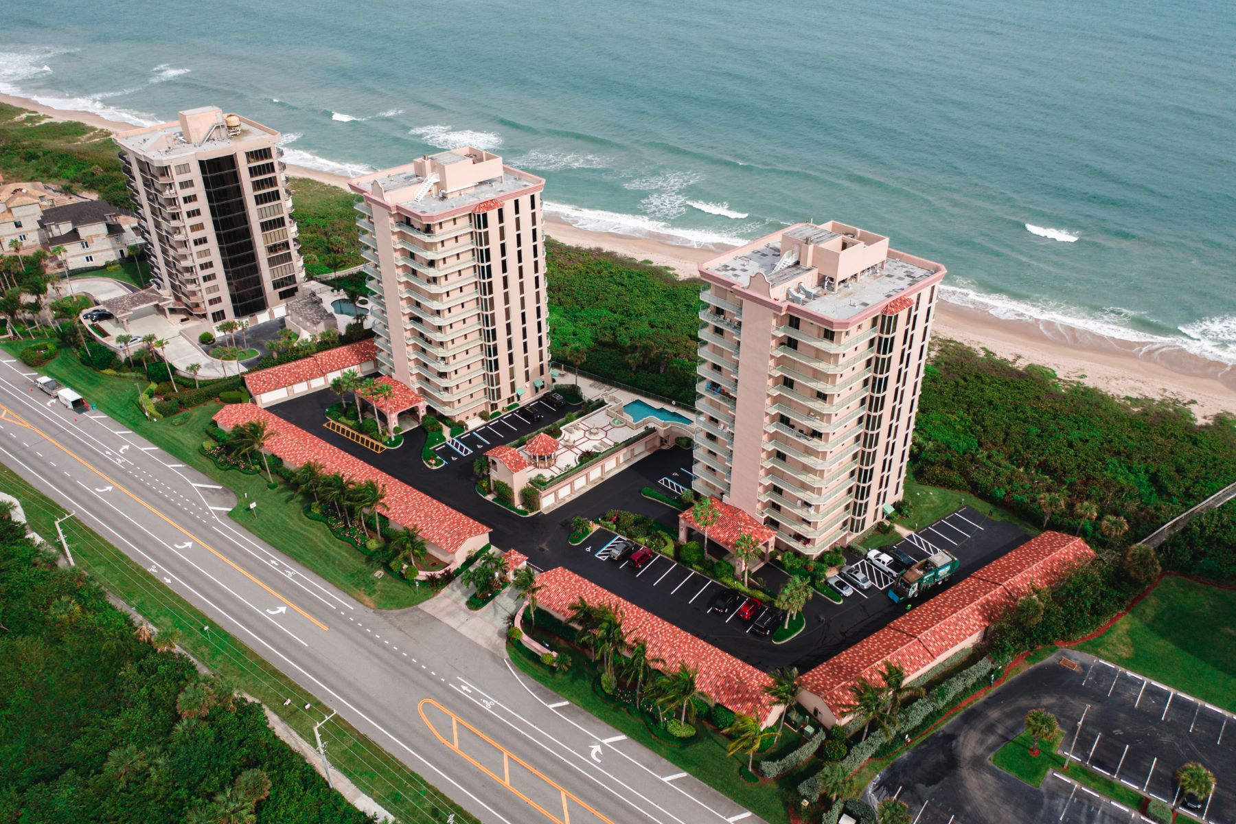 Property для того Продажа на Luxury Oceanfront Condo 4310 N Highway A1A 702S Hutchinson Island, Флорида 34949 Соединенные Штаты