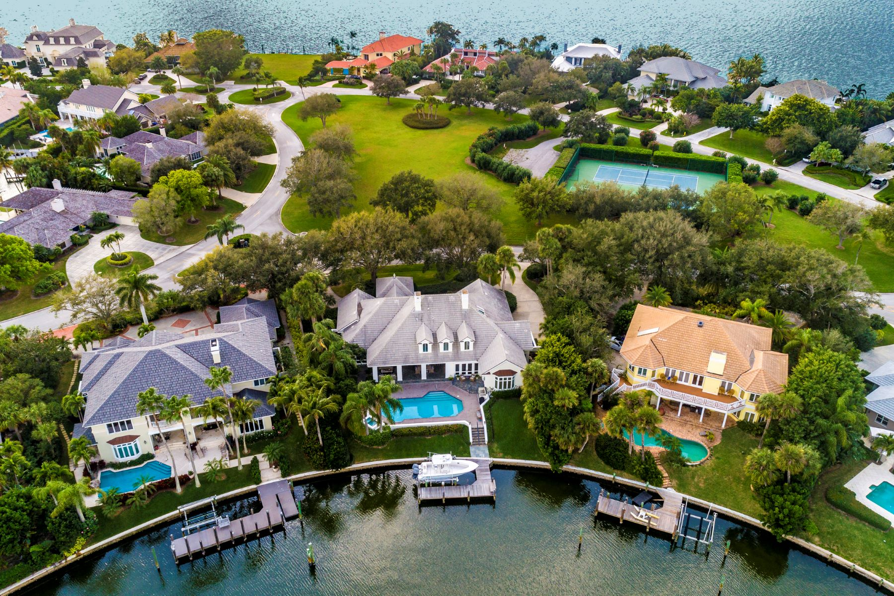 Single Family Homes for Sale at 170 Anchor Drive Vero Beach, Florida 32963 United States