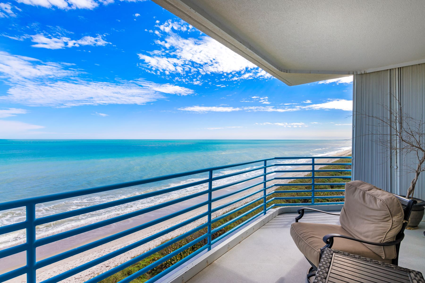 Additional photo for property listing at 581 Highway A1A 701 Satellite Beach, Florida 32937 United States