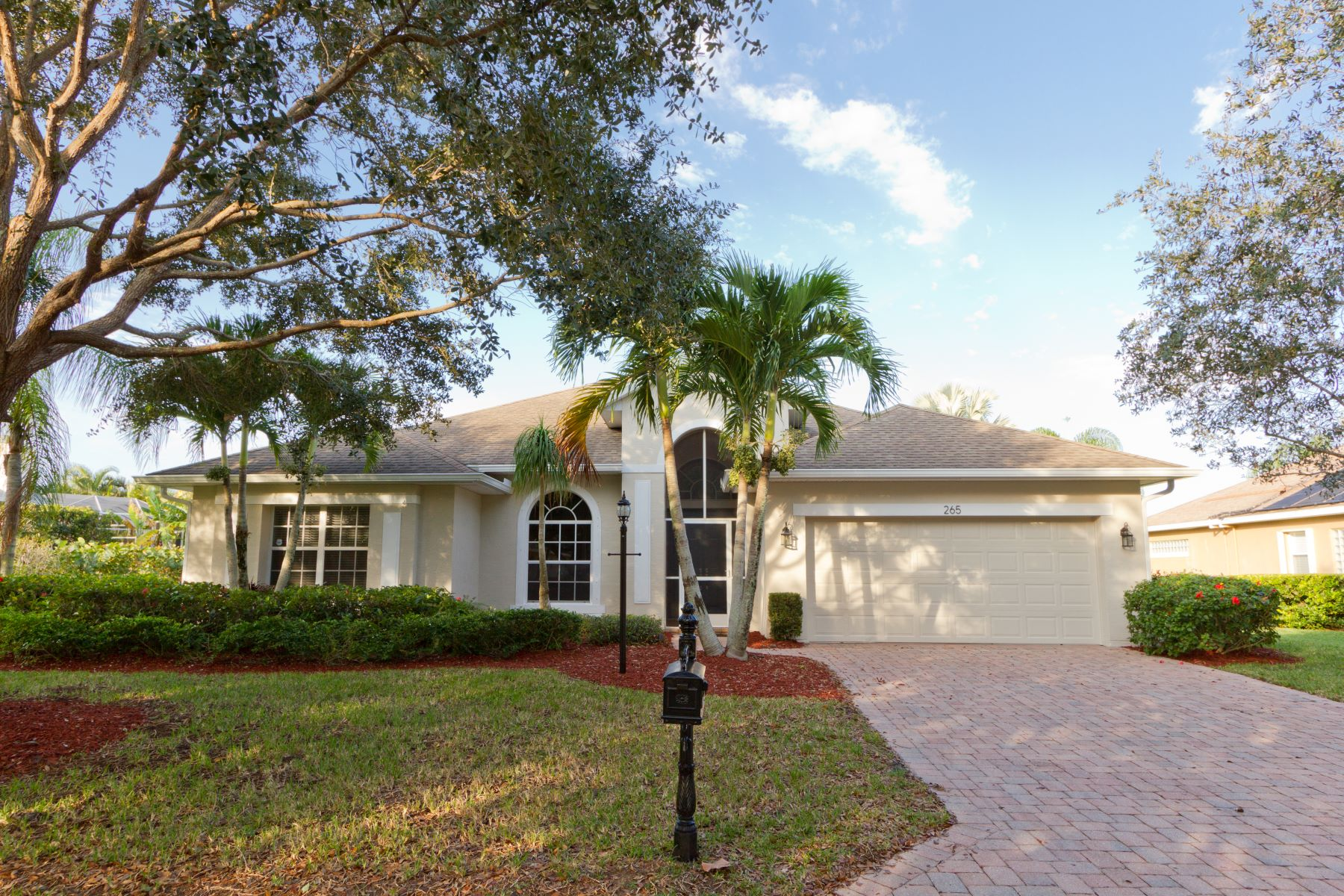 Newly Refreshed Lakefront home 265 Champagne Court Sw Vero Beach, Florida 32968 Stati Uniti