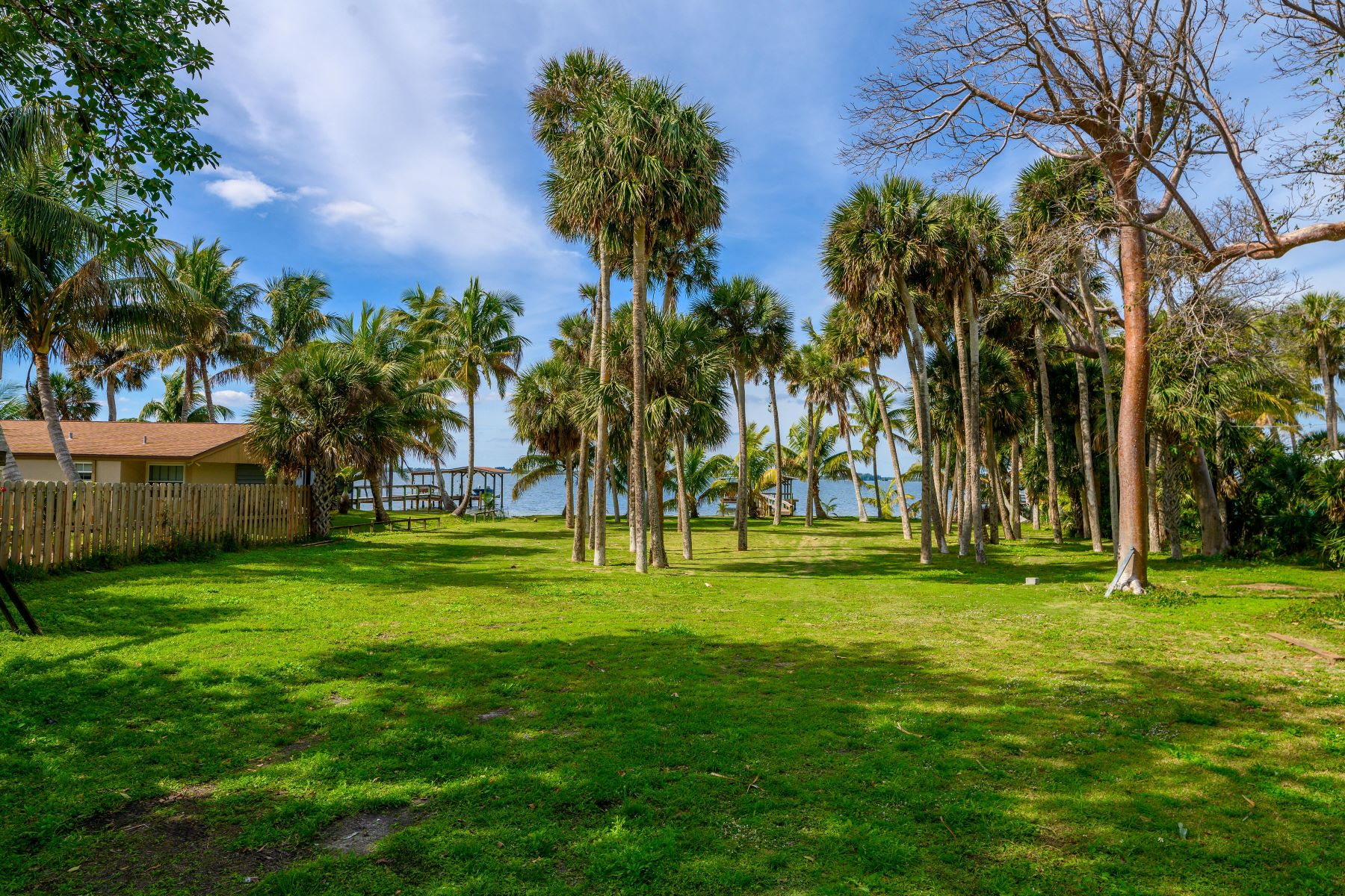 Additional photo for property listing at 8070 S Highway A1A Melbourne Beach, Florida 32951 United States