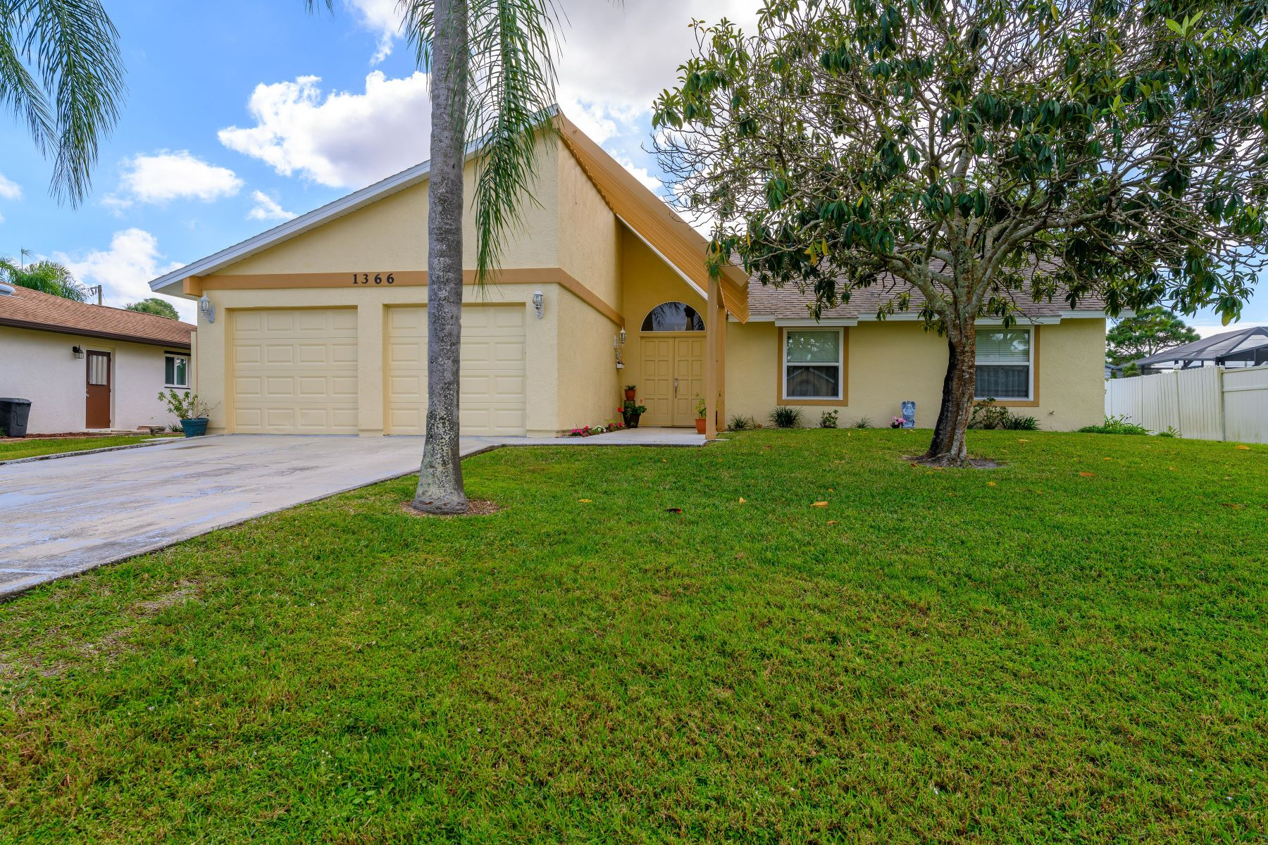 Single Family Homes for Sale at 1366 Lerici Nw Street Palm Bay, Florida 32907 United States