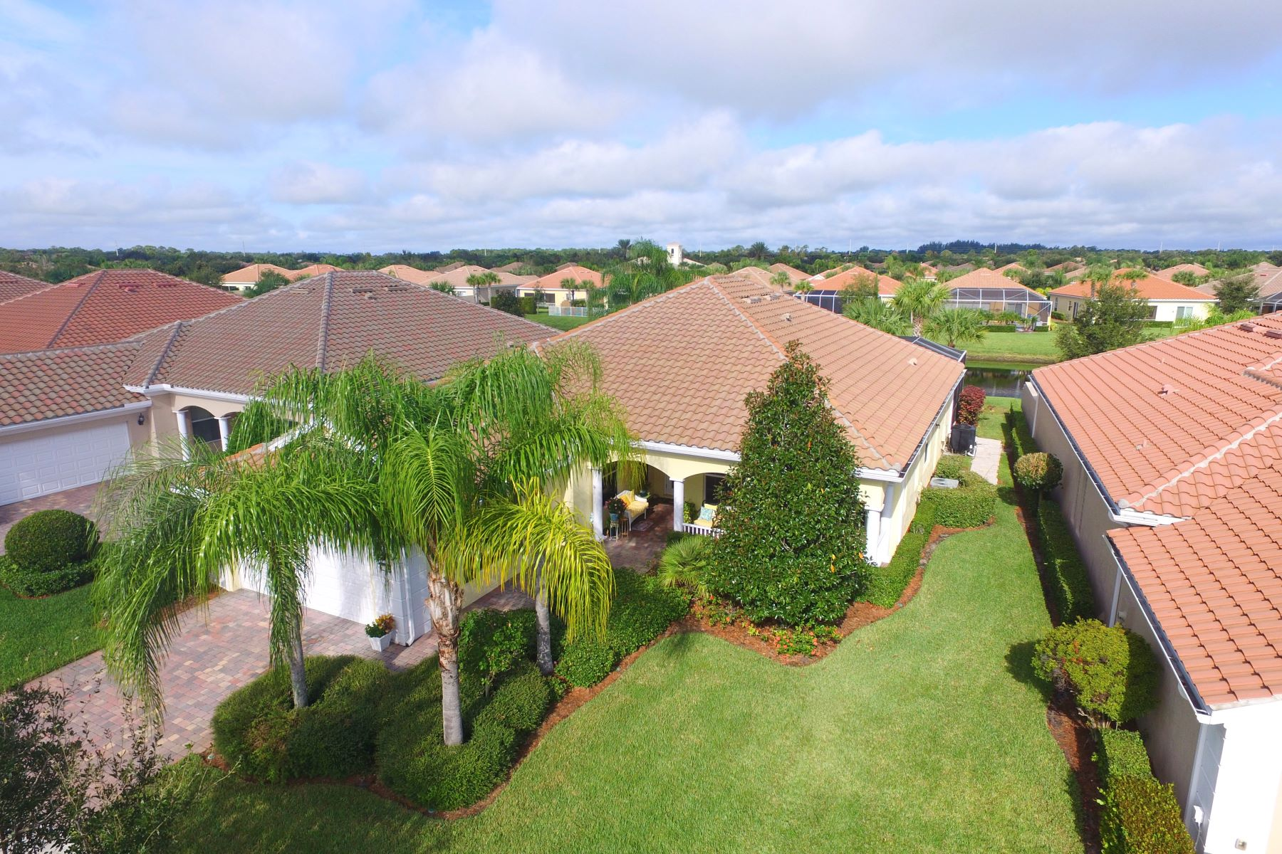 Single Family Homes for Sale at Spacious Lakeside Home 5180 Formosa Circle Vero Beach, Florida 32967 United States