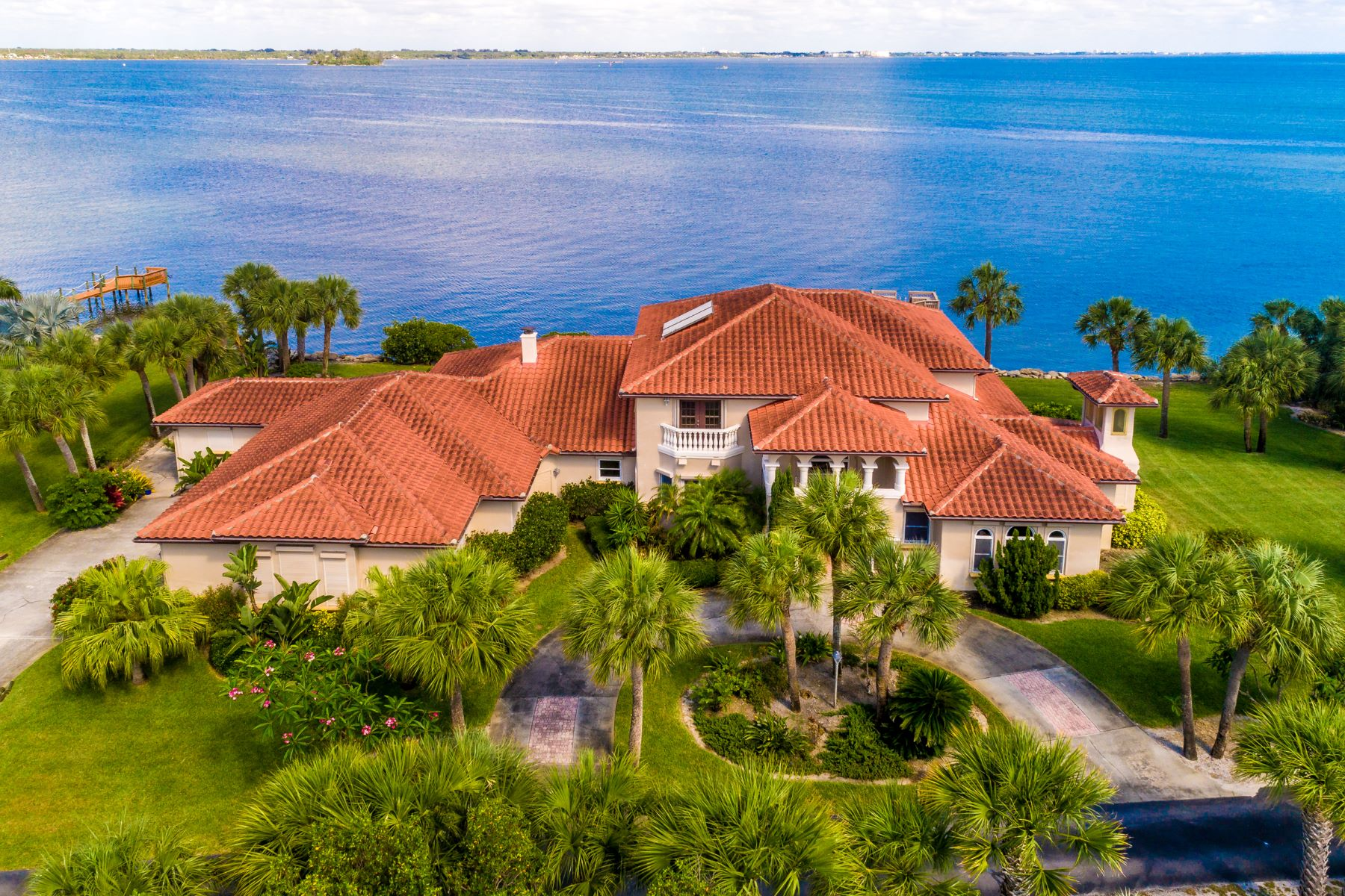 Single Family Homes for Sale at Stunning Riverfront Melbourne Beach Estate 467 Spoonbill Lane Melbourne Beach, Florida 32951 United States