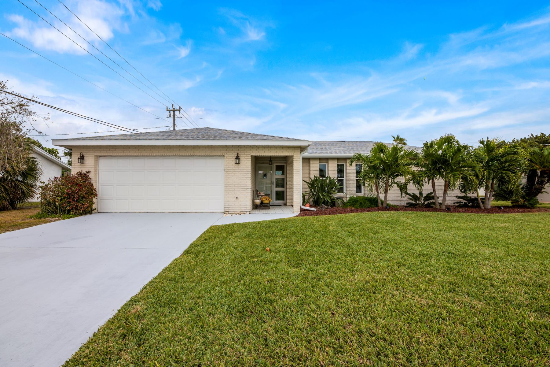 Single Family Homes for Sale at 555 Coconut Street Satellite Beach, Florida 32937 United States