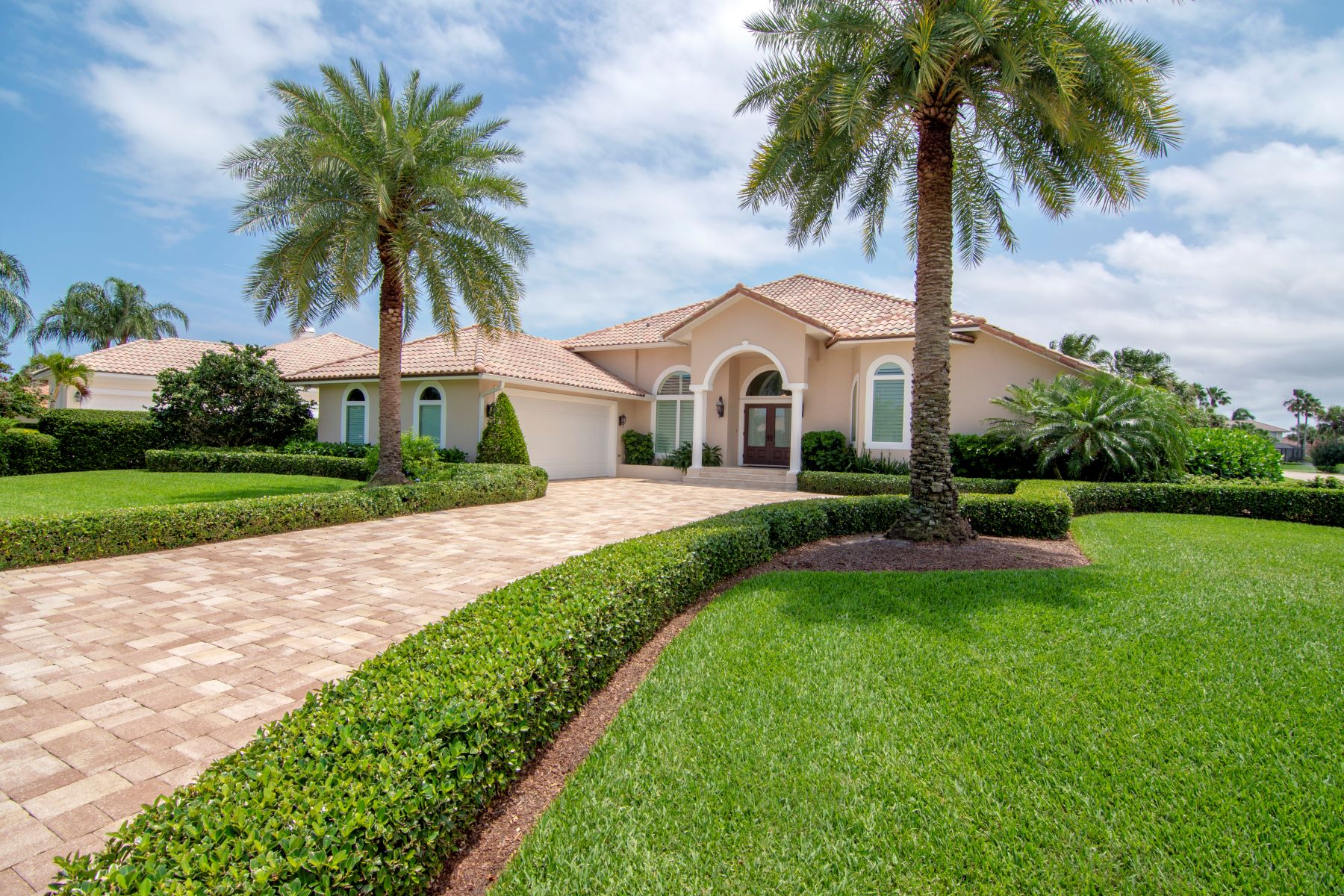 Single Family Homes for Sale at 1755 Majorca Place Vero Beach, Florida 32967 United States