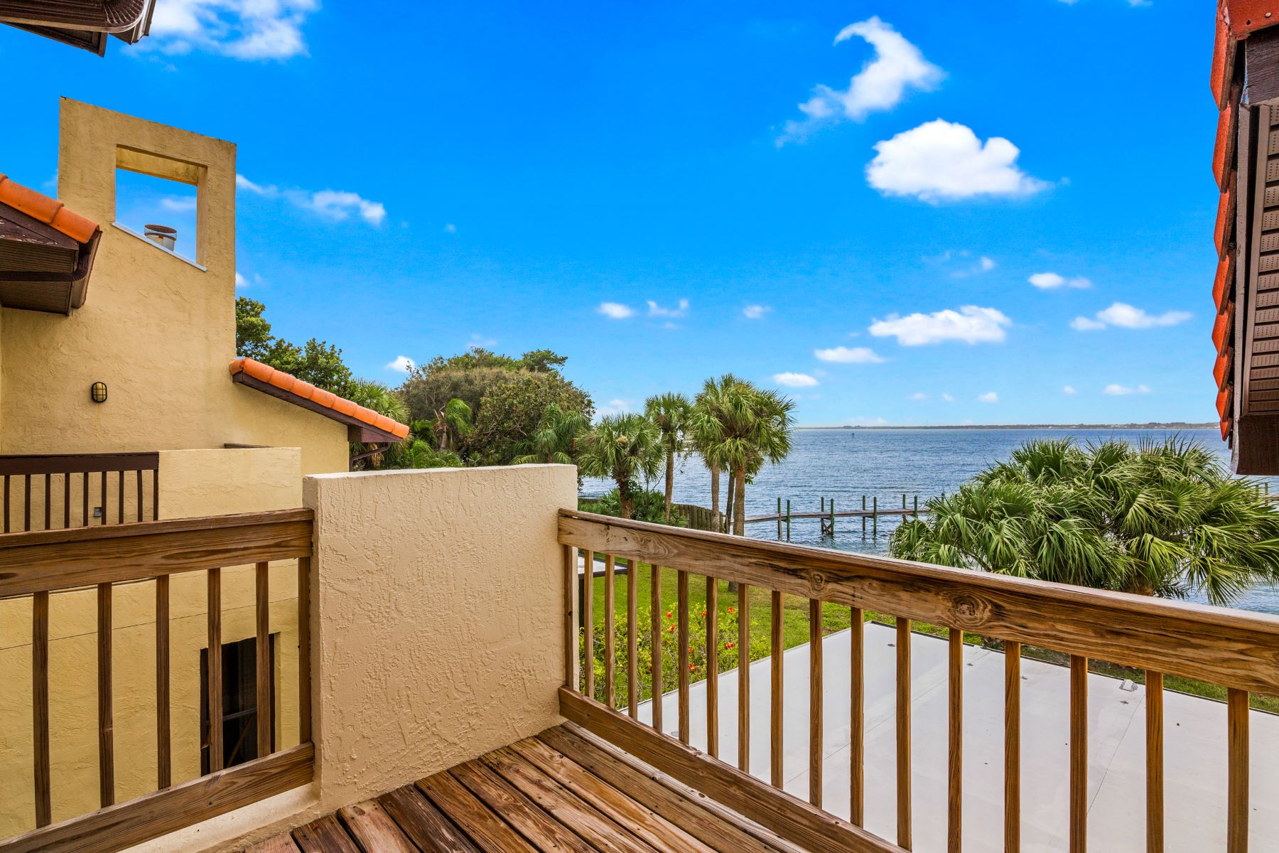 Additional photo for property listing at 3262 River Villa Way Melbourne Beach, Florida 32951 United States