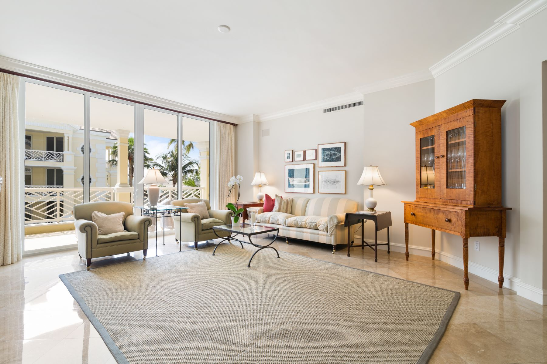 Additional photo for property listing at Luxurious Oceanfront Living 200 Beachview Drive 3S Indian River Shores, Florida 32963 United States