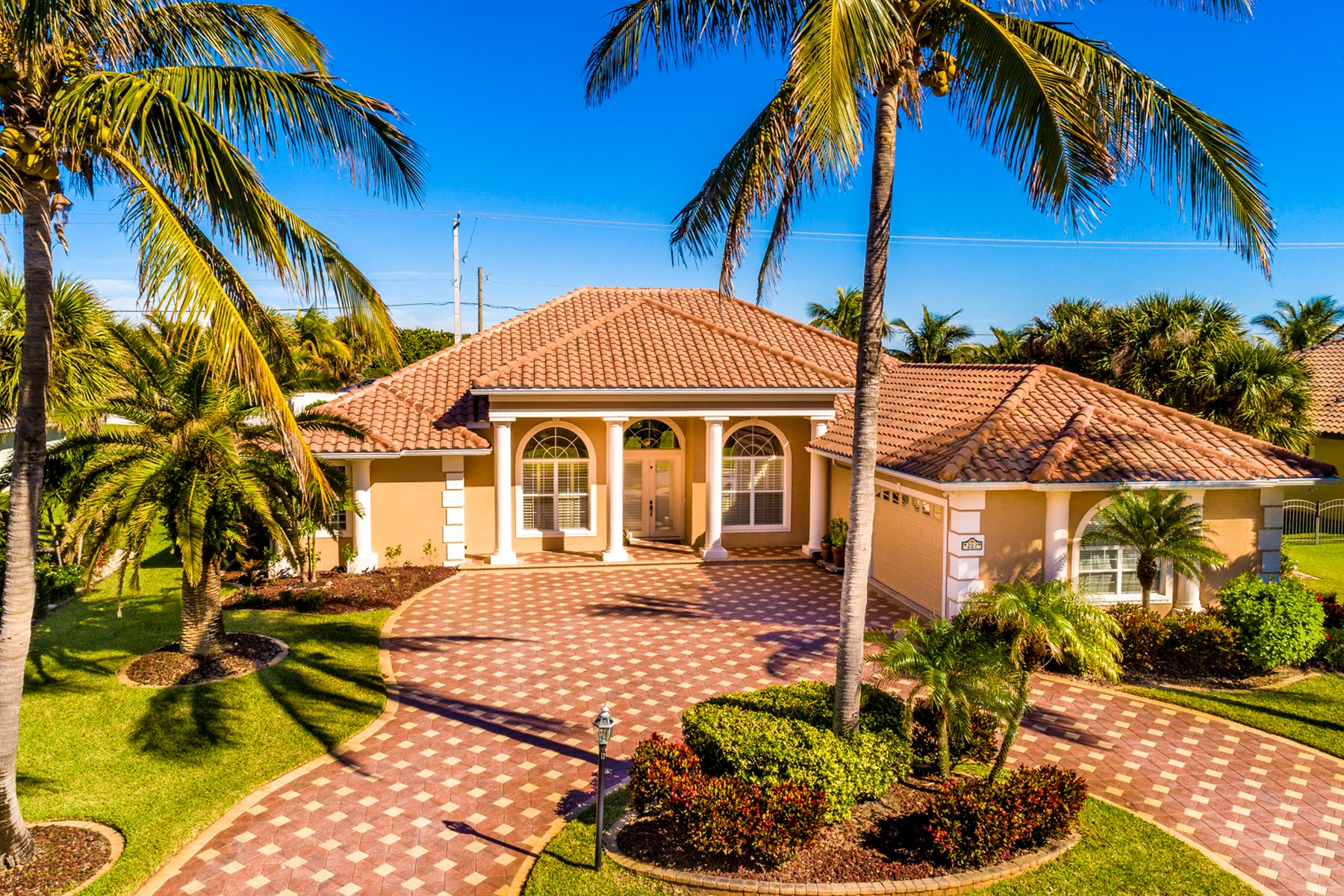 Single Family Homes for Sale at Spacious Home in Prestigious Ocean to River Community 207 Loggerhead Drive Melbourne Beach, Florida 32951 United States