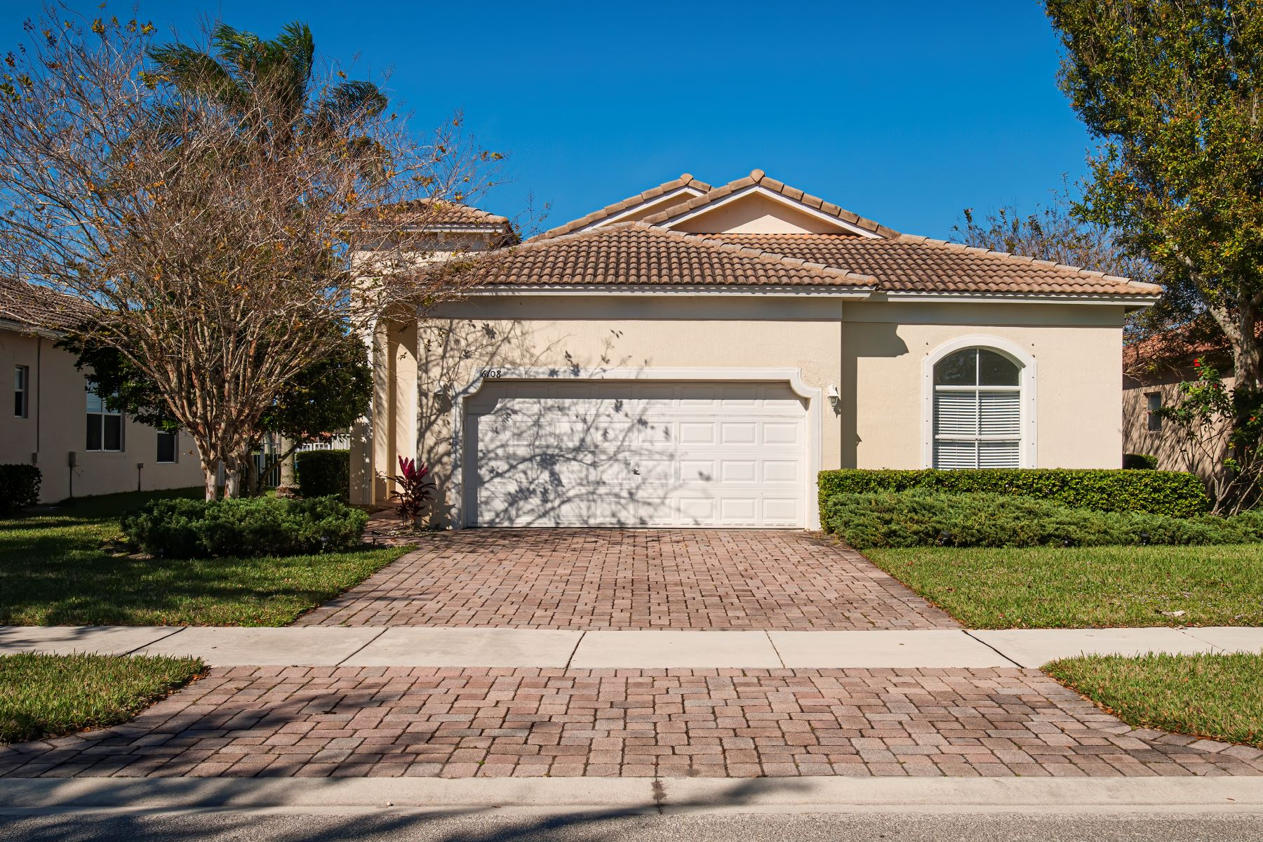 Single Family Homes for Sale at Lake Front Pool Home 6108 Santa Margarito Drive Fort Pierce, Florida 34951 United States