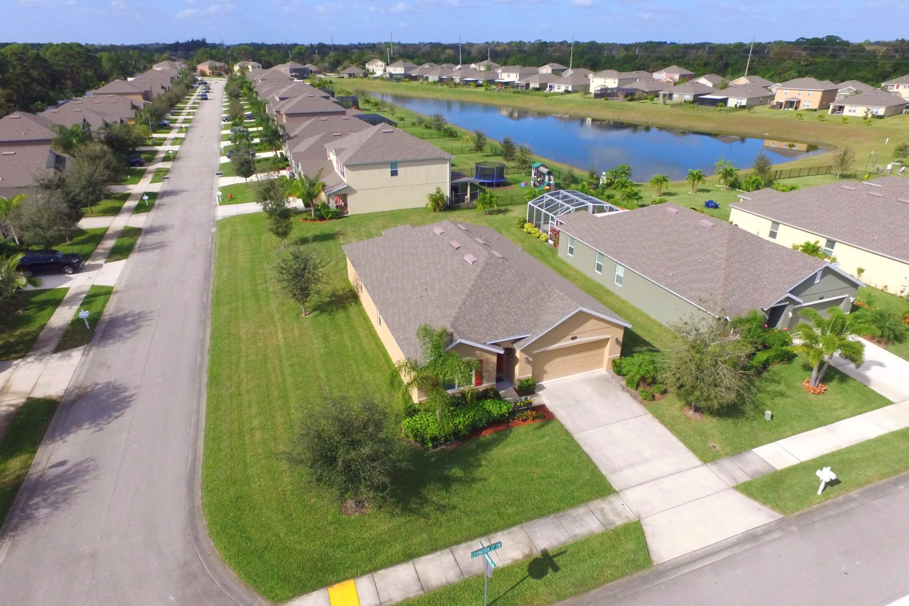 Additional photo for property listing at 363 Lexington Court Sw Vero Beach, Florida 32962 United States