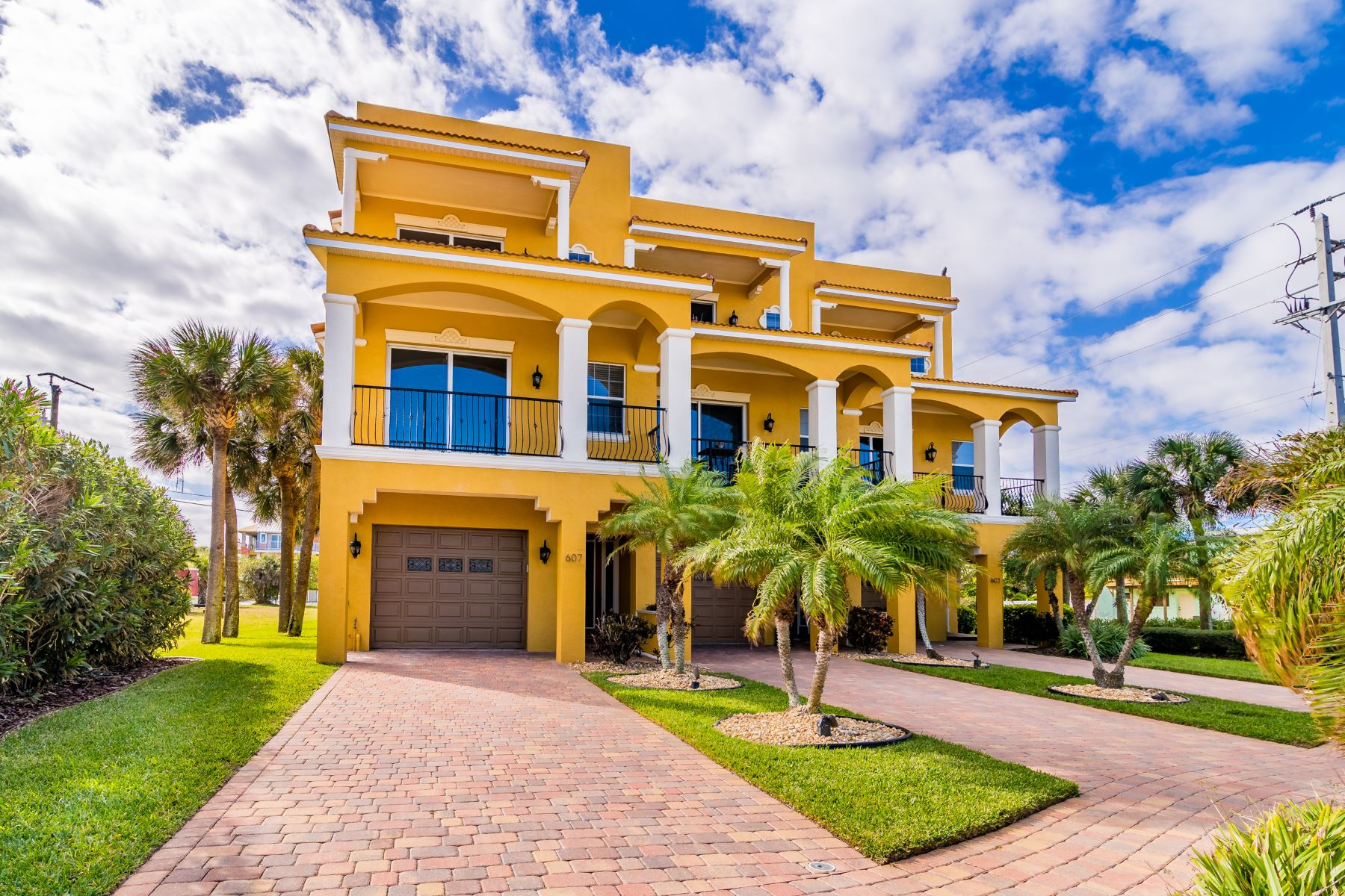 Single Family Homes for Sale at Beautiful, Luxury Townhouse with a Bright & Open Floor-plan. 607 Washington Avenue 3 Cape Canaveral, Florida 32920 United States