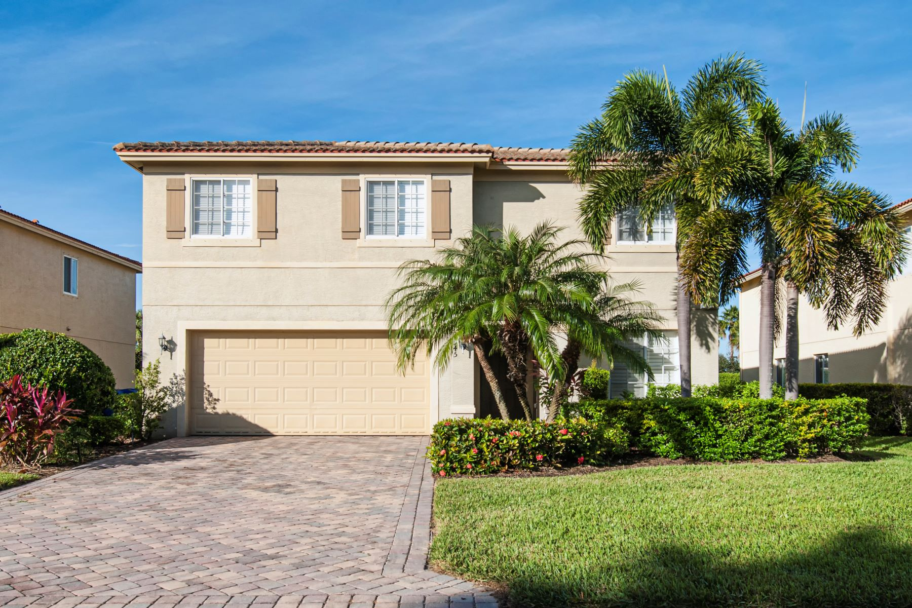 Single Family Homes for Sale at Spacious Five Bedroom Home 5545 45th Avenue Vero Beach, Florida 32967 United States
