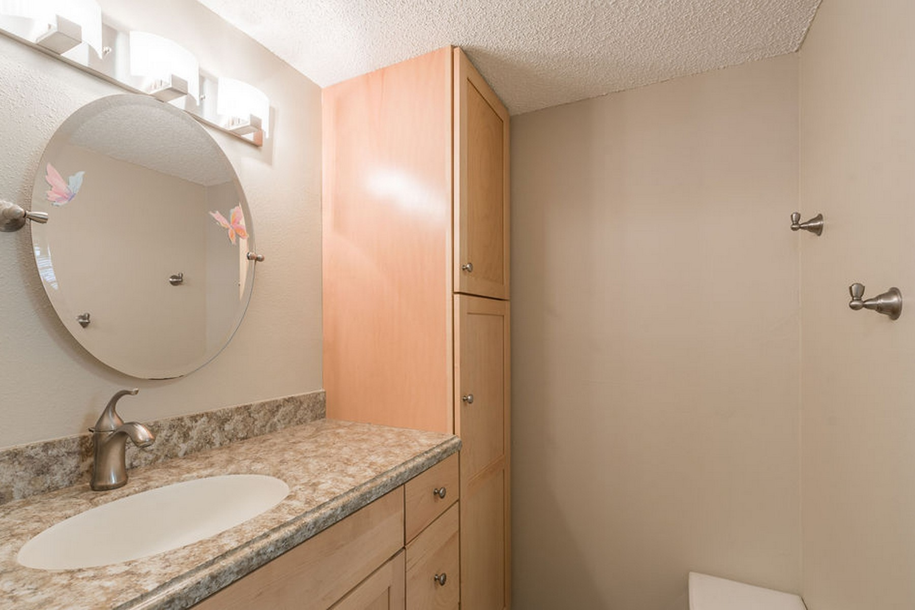 Additional photo for property listing at Updated and Beautifully Furnished Condo 2700 N Highway A1A 3-201 Indialantic, Florida 32903 United States
