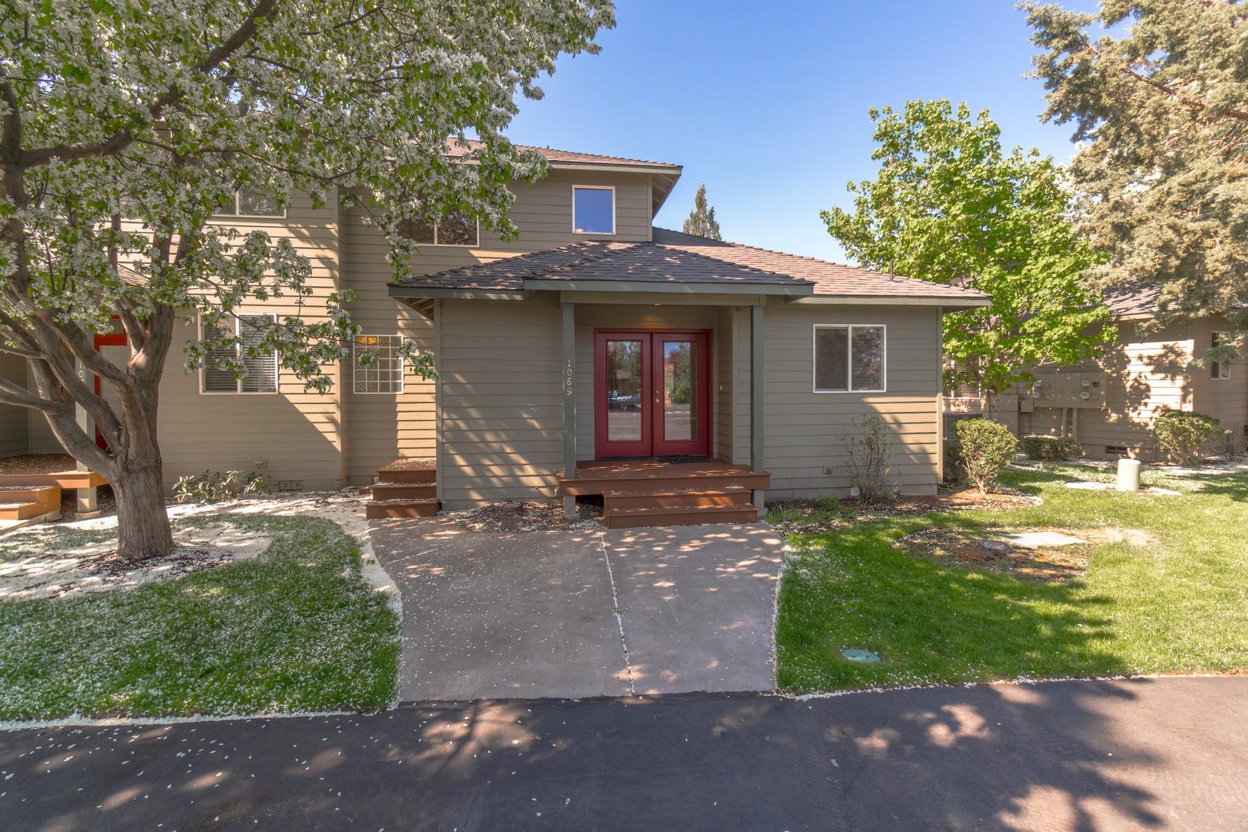townhouses για την Πώληση στο 1069 Golden Pheasant Drive Redmond, OR 97756 Redmond, Ορεγκον 97756 Ηνωμένες Πολιτείες