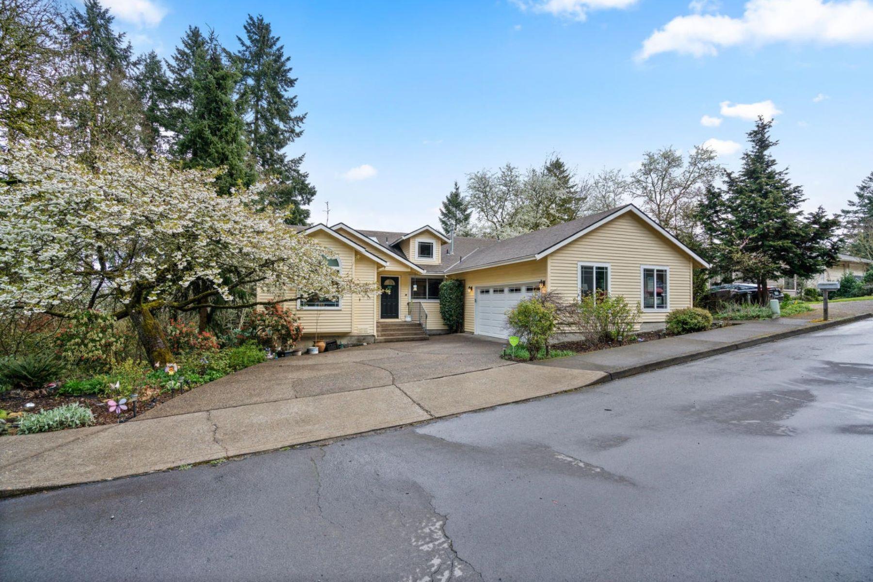 Other Residential Homes για την Πώληση στο 17887 HILLSIDE DR West Linn, OR 97068 West Linn, Ορεγκον 97068 Ηνωμένες Πολιτείες