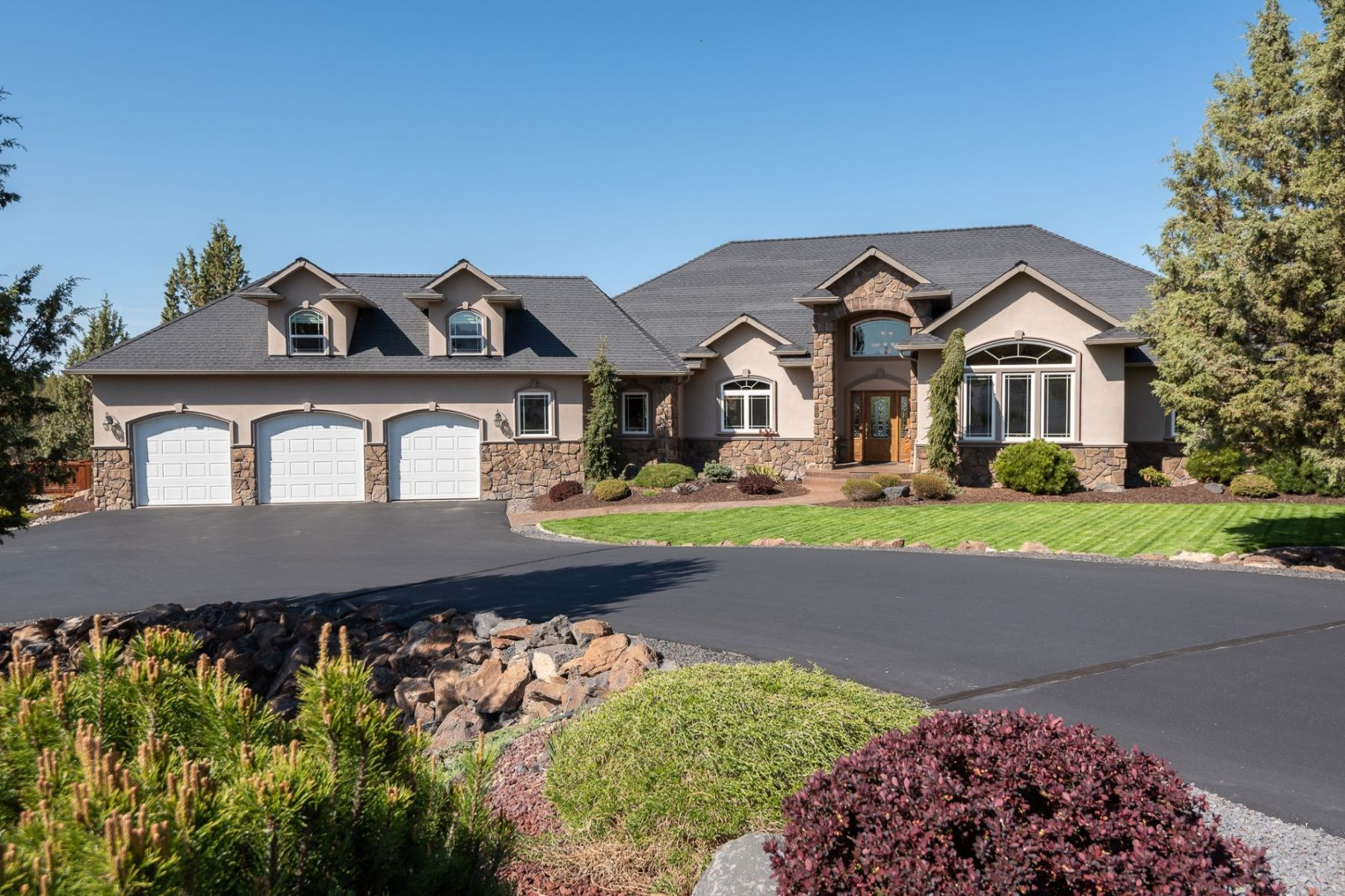 Other Residential Homes for Active at 1832 SE Blue Skies Lane Prineville, OR 97754 1832 SE Blue Skies Lane Prineville, Oregon 97754 United States
