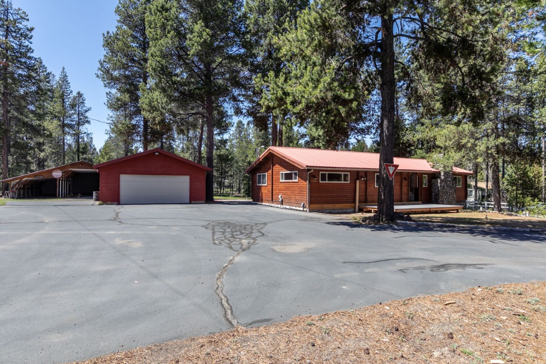 Other Residential Homes for Active at 52931 Day Road La Pine, OR 97739 52931 Day Road La Pine, Oregon 97739 United States