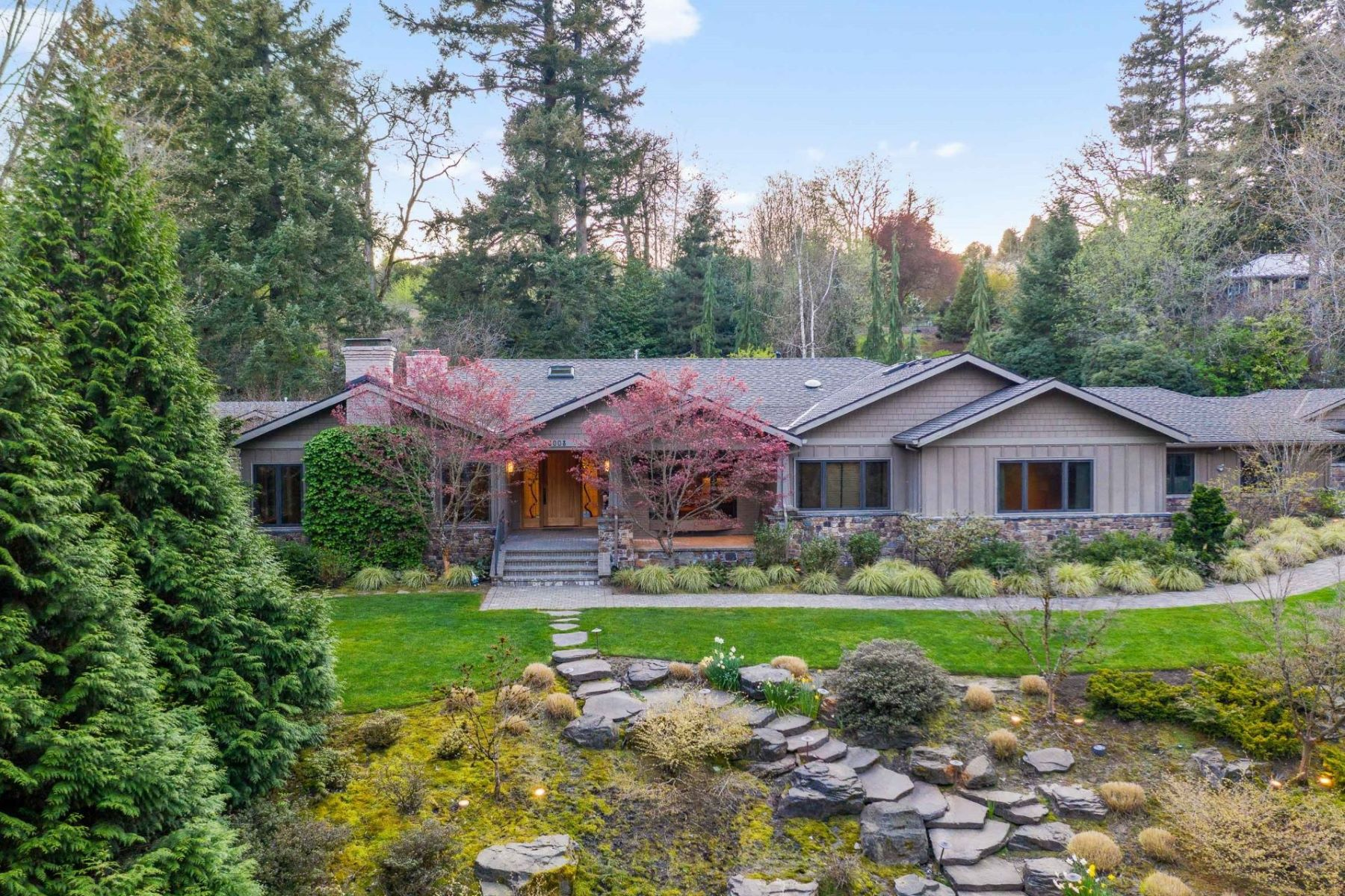 Other Residential Homes for Active at 18008 GREENBLUFF DR Lake Oswego, OR 97034 18008 GREENBLUFF DR Lake Oswego, Oregon 97034 United States