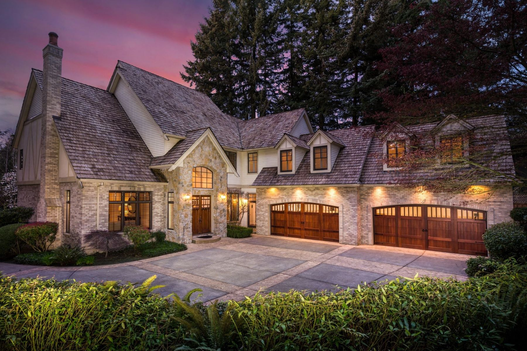 Other Residential Homes for Active at 800 TERRACE DR Lake Oswego, OR 97034 800 TERRACE DR Lake Oswego, Oregon 97034 United States