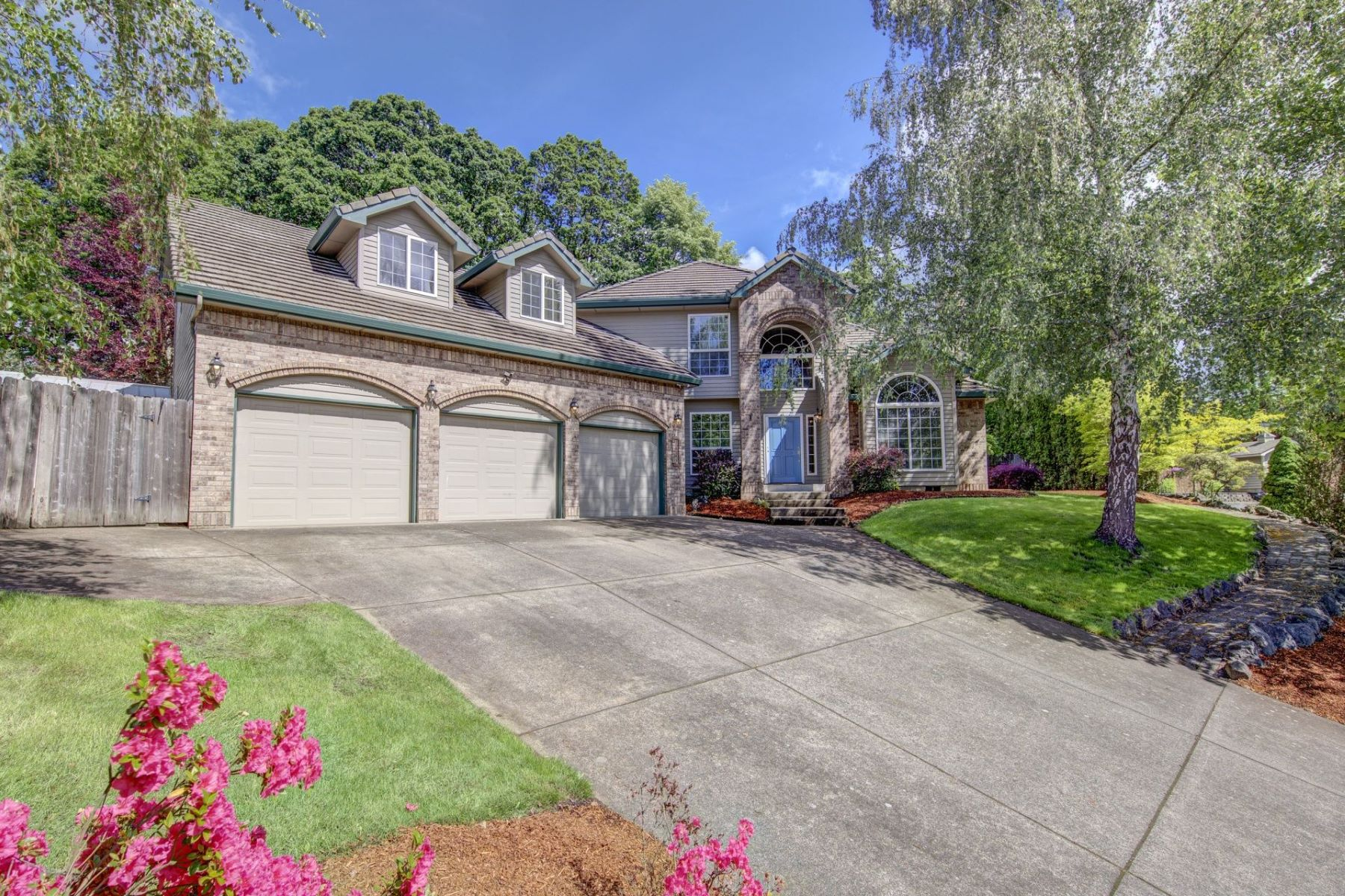 Other Residential Homes for Active at 1623 SW BONNIE JEAN PL McMinnville, OR 97128 1623 SW BONNIE JEAN PL McMinnville, Oregon 97128 United States