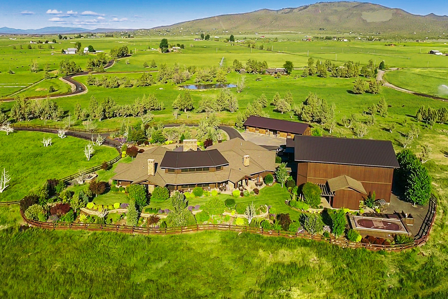 Other Residential Homes für Verkauf beim 8055 SW Powell Butte Highway Powell Butte, OR 97753 Powell Butte, Oregon 97753 Vereinigte Staaten
