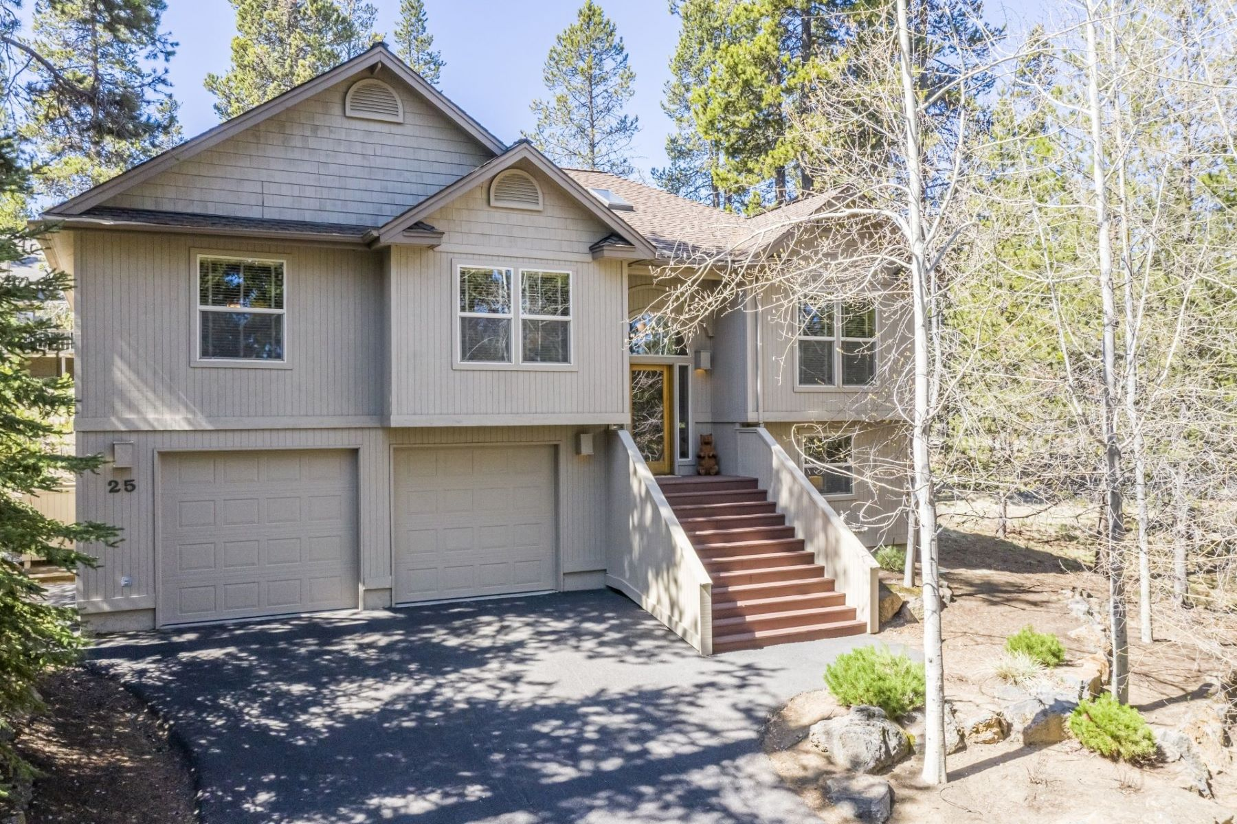 Other Residential Homes for Active at 57667 Poplar Lane Sunriver, OR 97707 57667 Poplar Lane Sunriver, Oregon 97707 United States