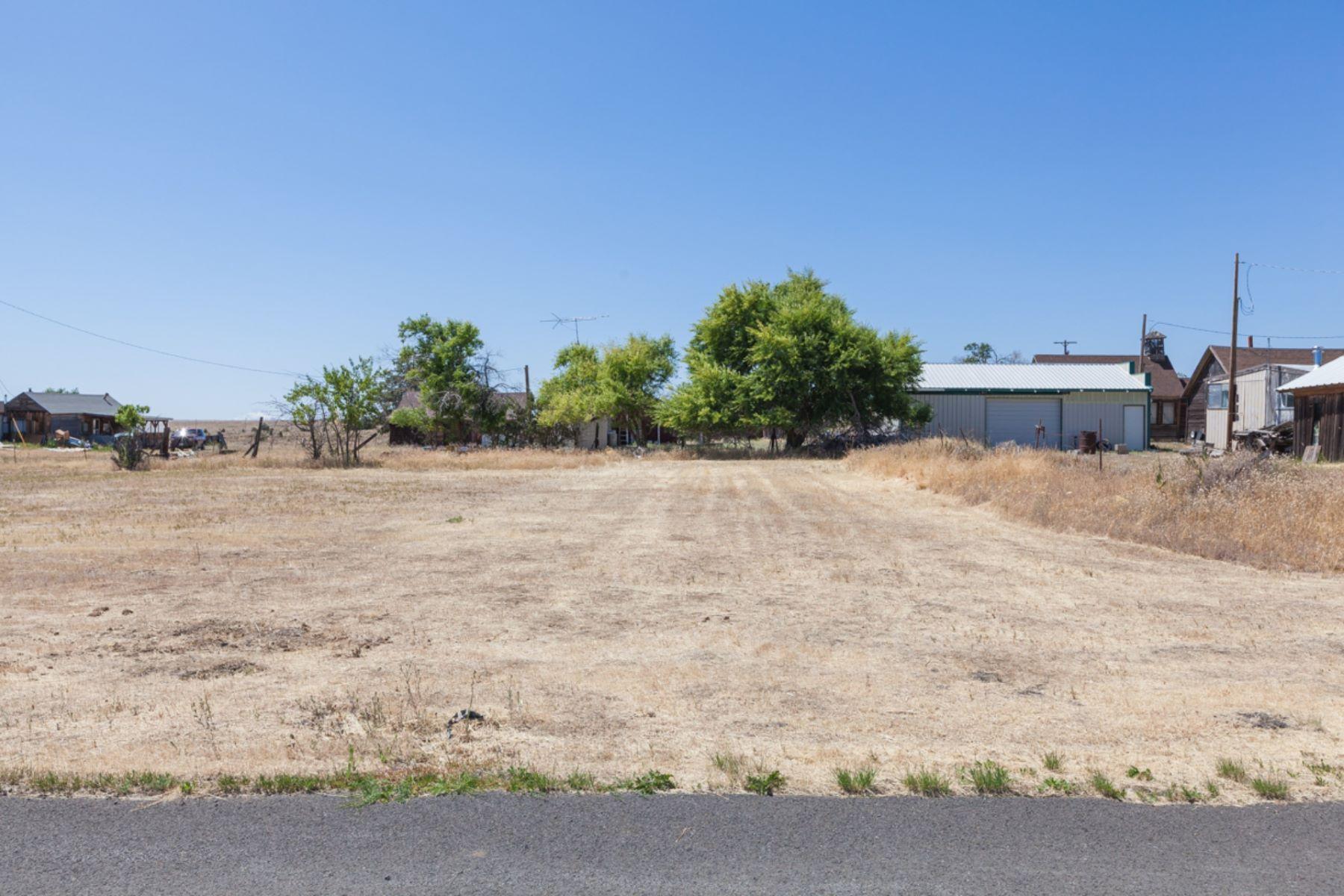 Land for Active at E Street Shaniko, OR 97057 E Street Shaniko, Oregon 97057 United States