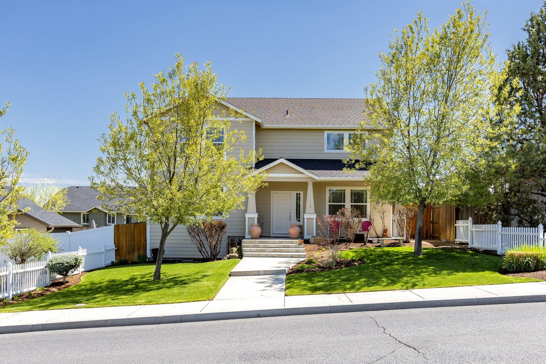 Other Residential Homes για την Πώληση στο 442 SW 35th Street Redmond, OR 97756 Redmond, Ορεγκον 97756 Ηνωμένες Πολιτείες