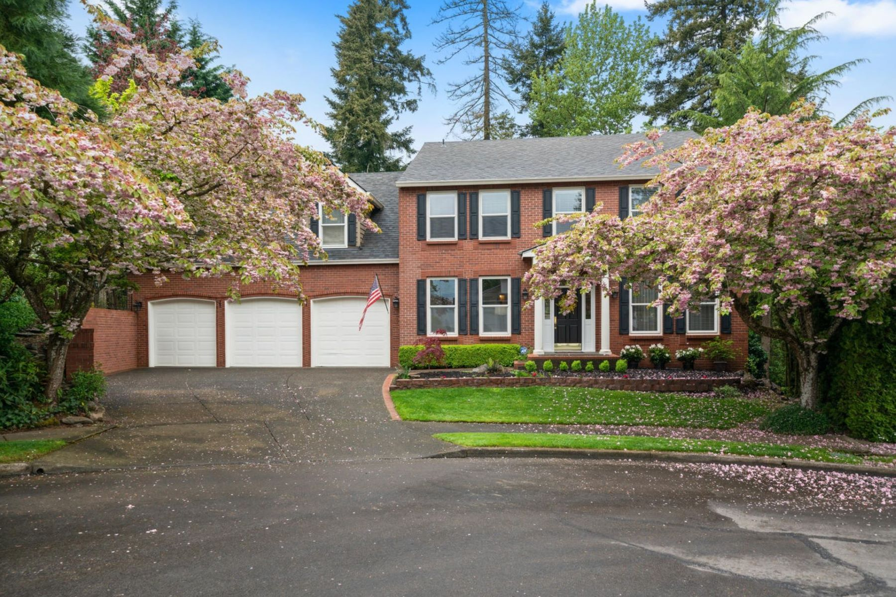 Other Residential Homes for Active at 2635 RENAISSANCE CT West Linn, OR 97068 2635 Renaissance Ct West Linn, Oregon 97068 United States
