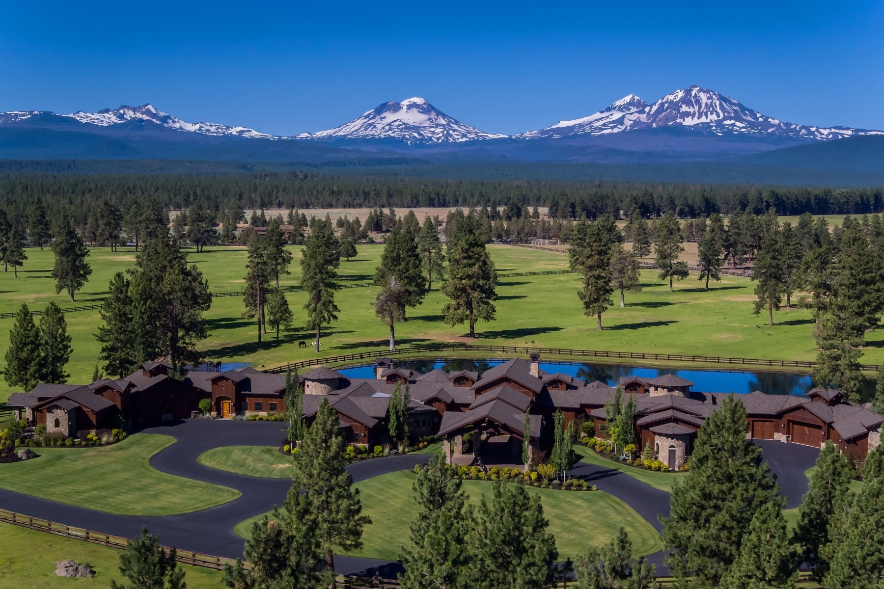 Other Residential Homes por un Venta en 16400 Jordan Road Sisters, OR 97759 16400 Jordan Road Sisters, Oregon 97759 Estados Unidos