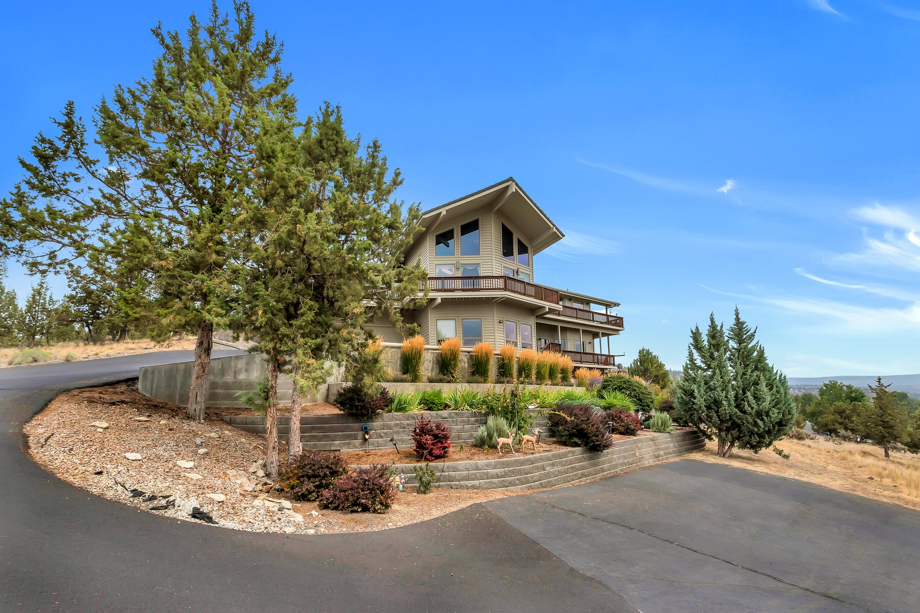 Other Residential Homes for Active at 3194 NE Yellowpine Road Prineville, OR 97754 3194 NE Yellowpine Road Prineville, Oregon 97754 United States