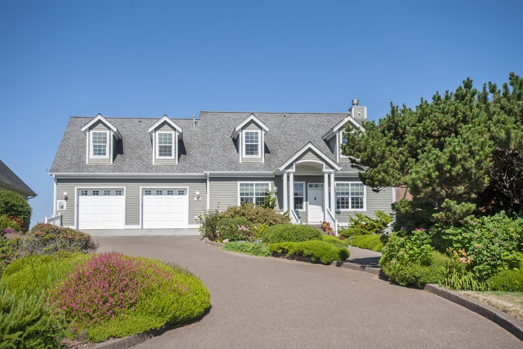 Single Family Homes για την Πώληση στο 6410 SW Arbor Dr South Beach, OR 97366 South Beach, Ορεγκον 97366 Ηνωμένες Πολιτείες