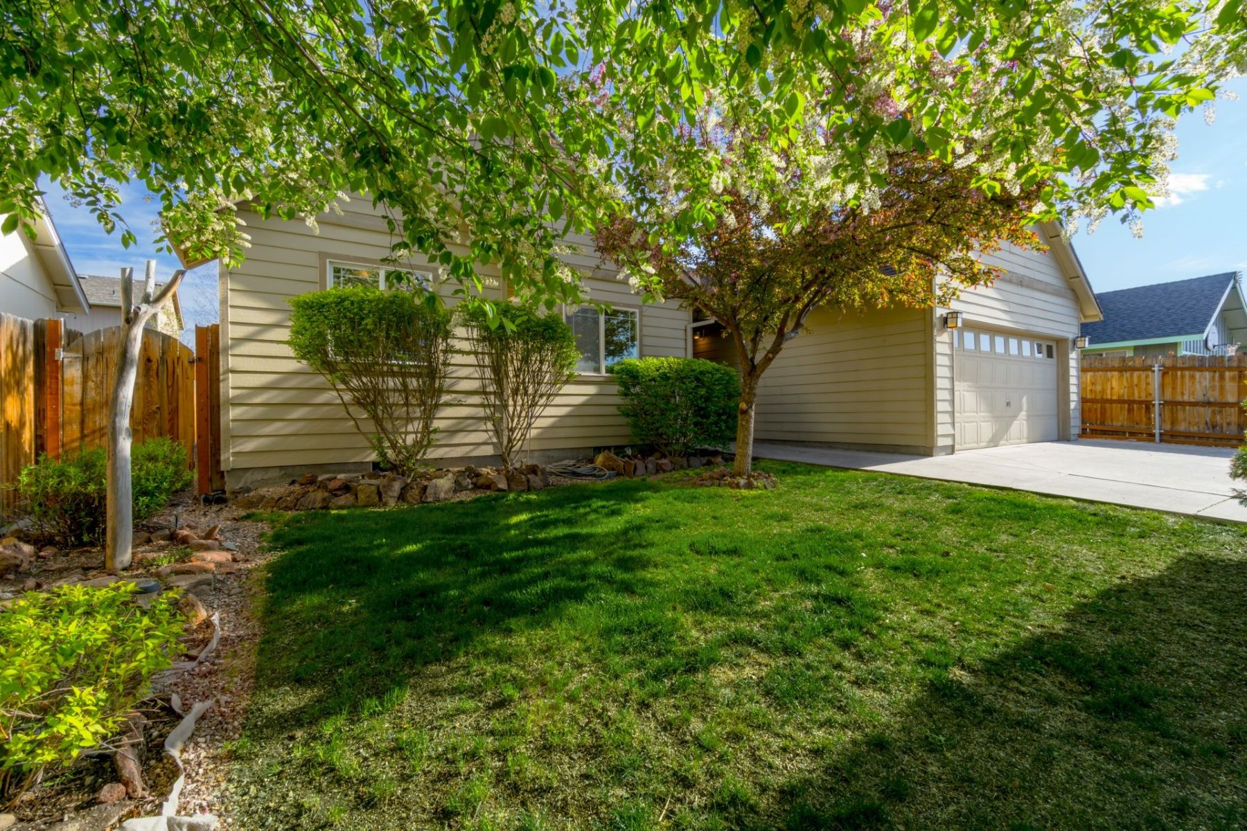 Other Residential Homes for Active at 2859 SW Peridot Avenue Redmond, OR 97756 2859 Peridot Ave Redmond, Oregon 97756 United States