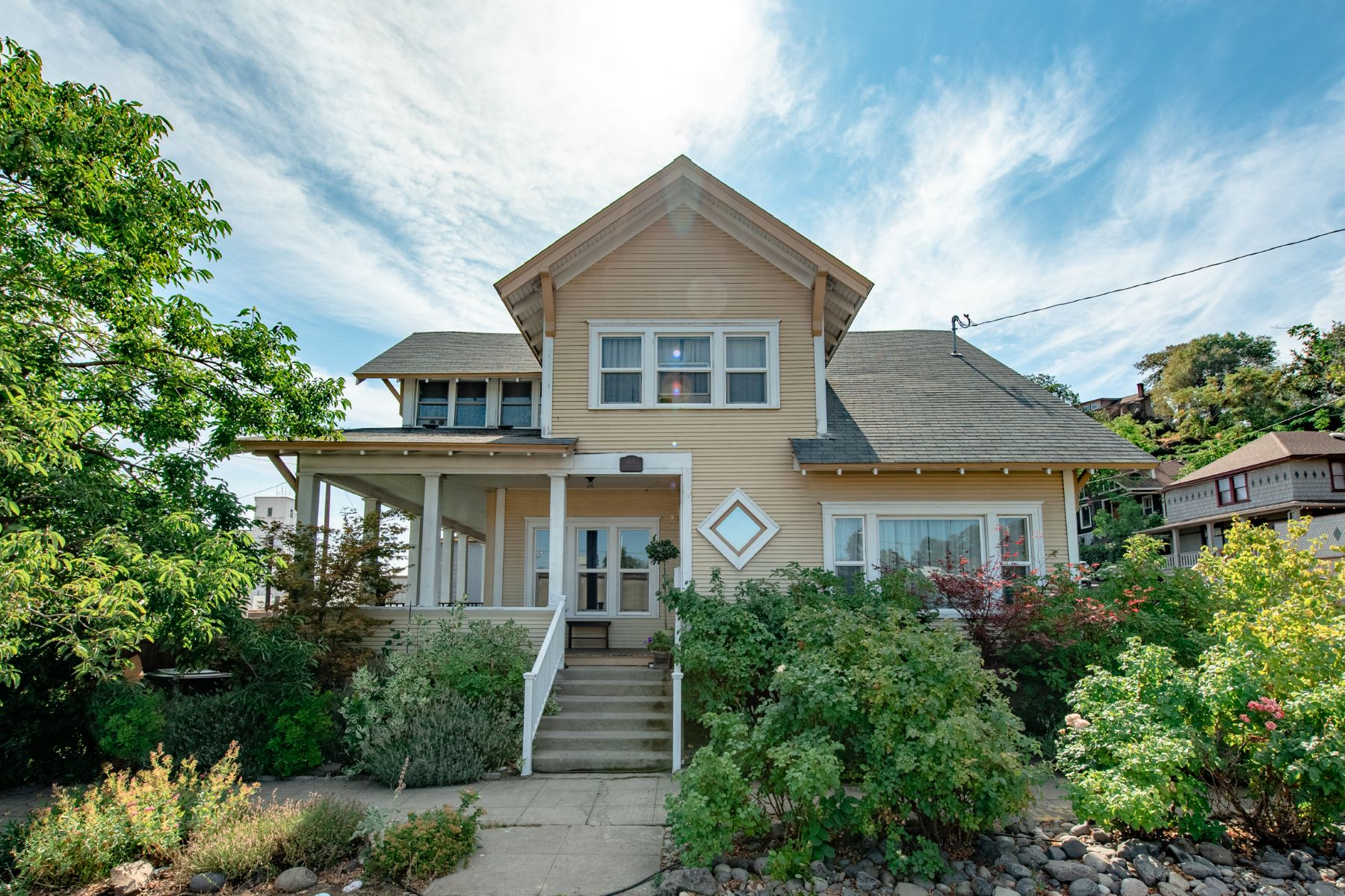 Other Residential Homes για την Πώληση στο 414 JEFFERSON The Dalles, OR 97058 The Dalles, Ορεγκον 97058 Ηνωμένες Πολιτείες