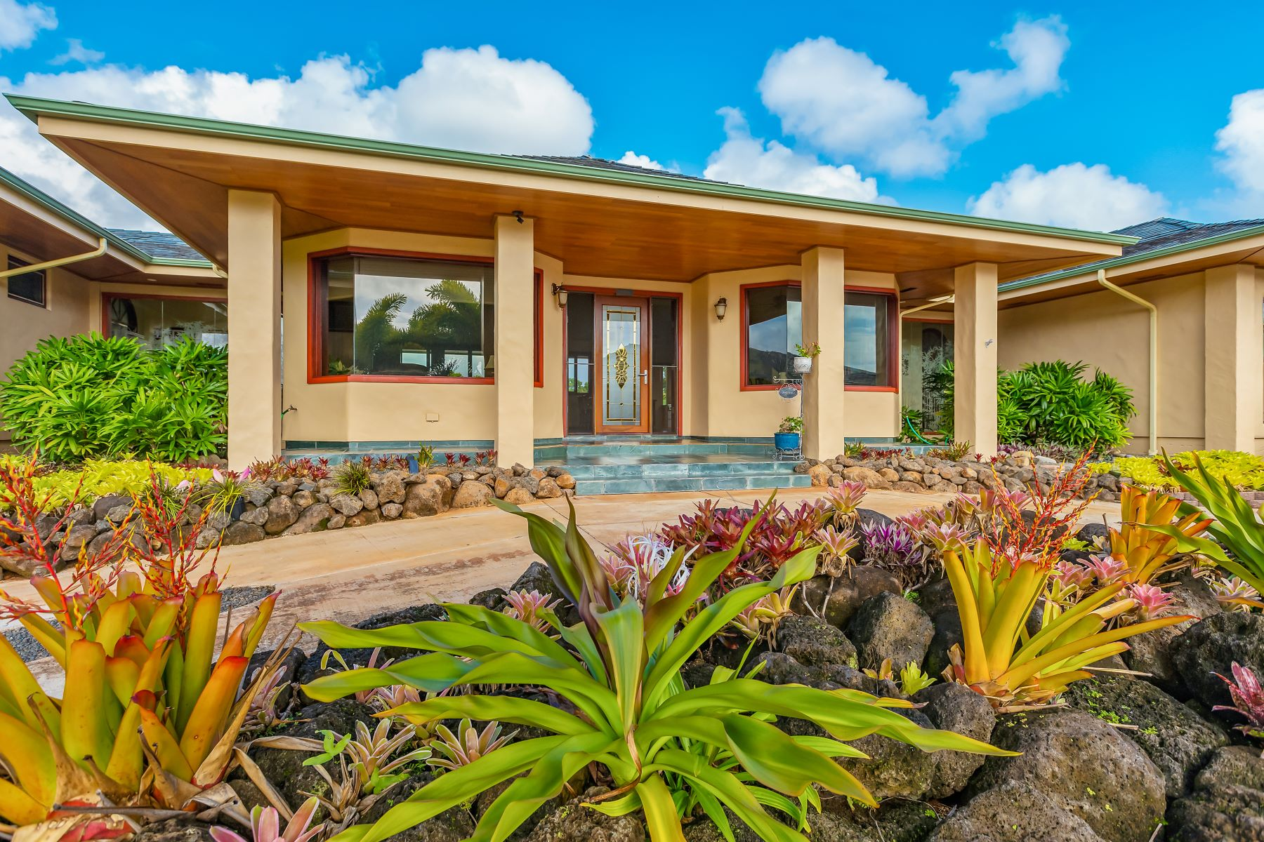 Single Family Homes 为 销售 在 4276 ILIOHU PL LIHUE, HI 96766 4276 ILIOHU PL 利湖埃, 夏威夷 96766 美国