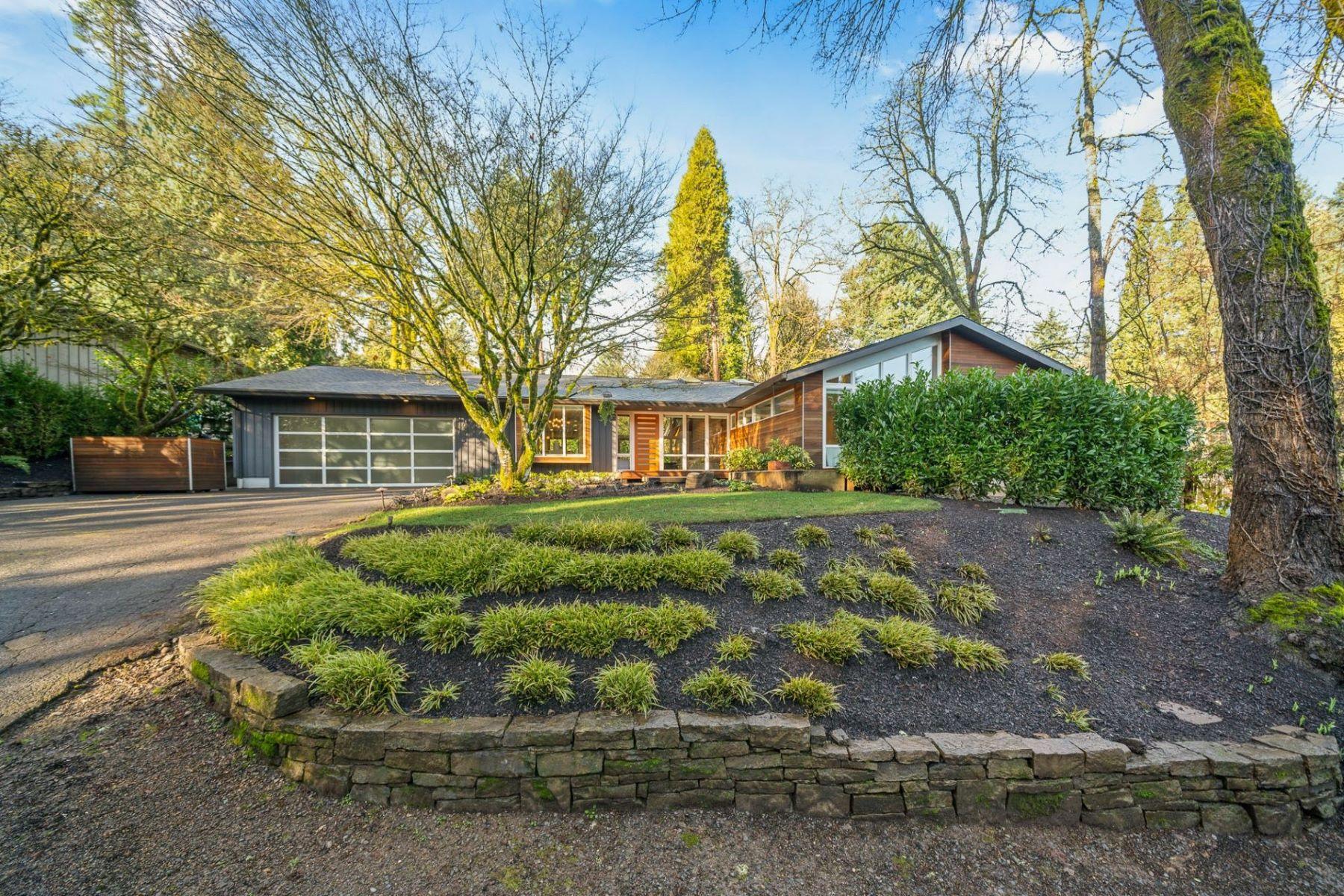 Other Residential Homes για την Πώληση στο 10745 SW MOAPA AVE Portland, OR 97219 Portland, Ορεγκον 97219 Ηνωμένες Πολιτείες