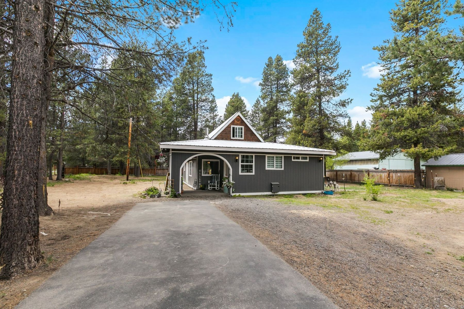 Other Residential Homes for Active at 16160 Alpine Drive La Pine, OR 97739 16160 Alpine Drive La Pine, Oregon 97739 United States