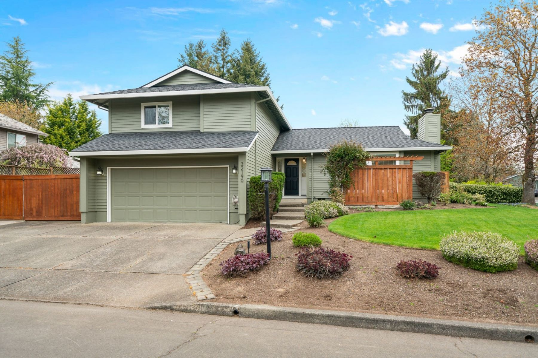 Other Residential Homes for Active at 32190 SW ARMITAGE RD Wilsonville, OR 97070 32190 SW ARMITAGE RD Wilsonville, Oregon 97070 United States